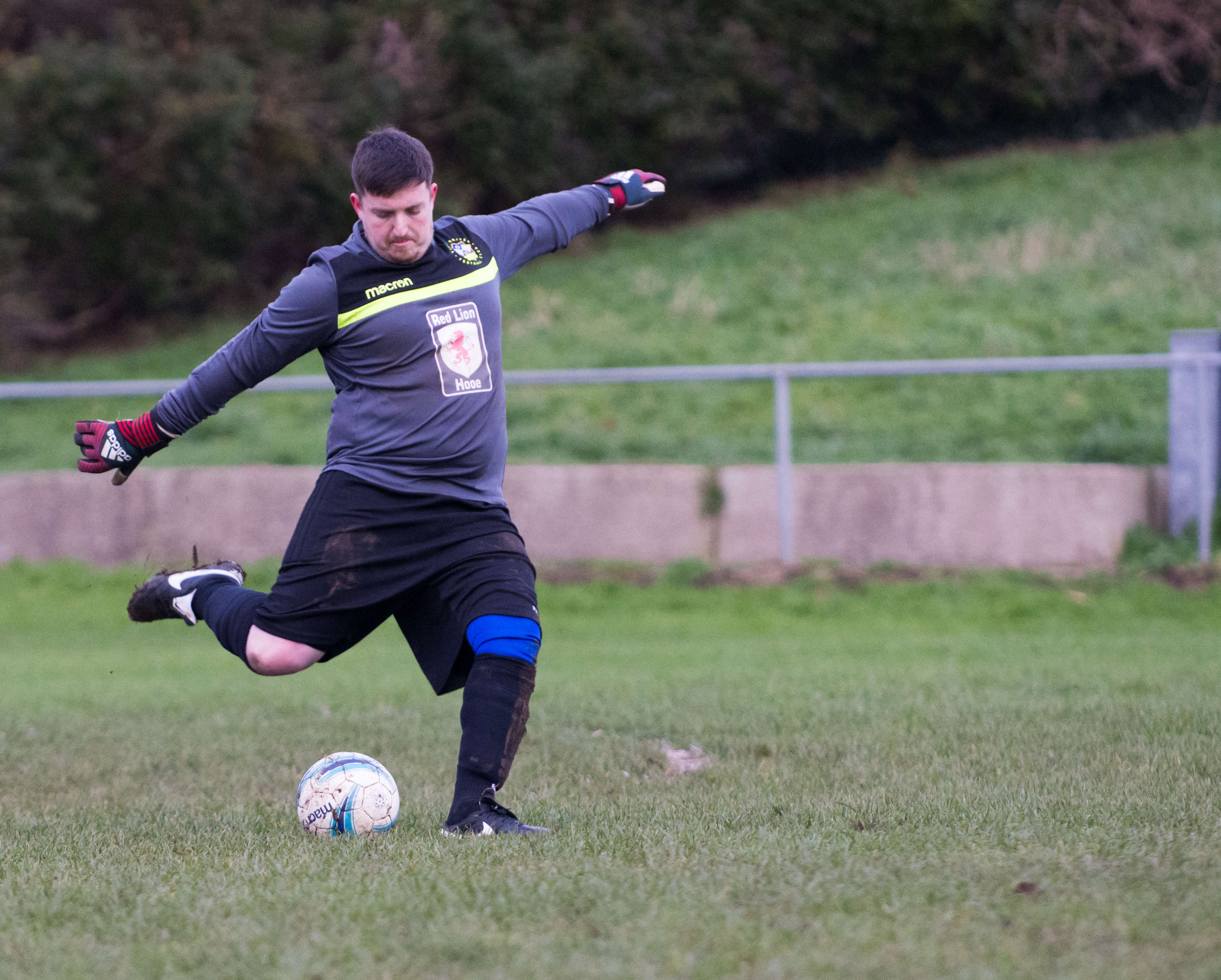 Mile Oak Res vs Sidley United 09.12.17 23