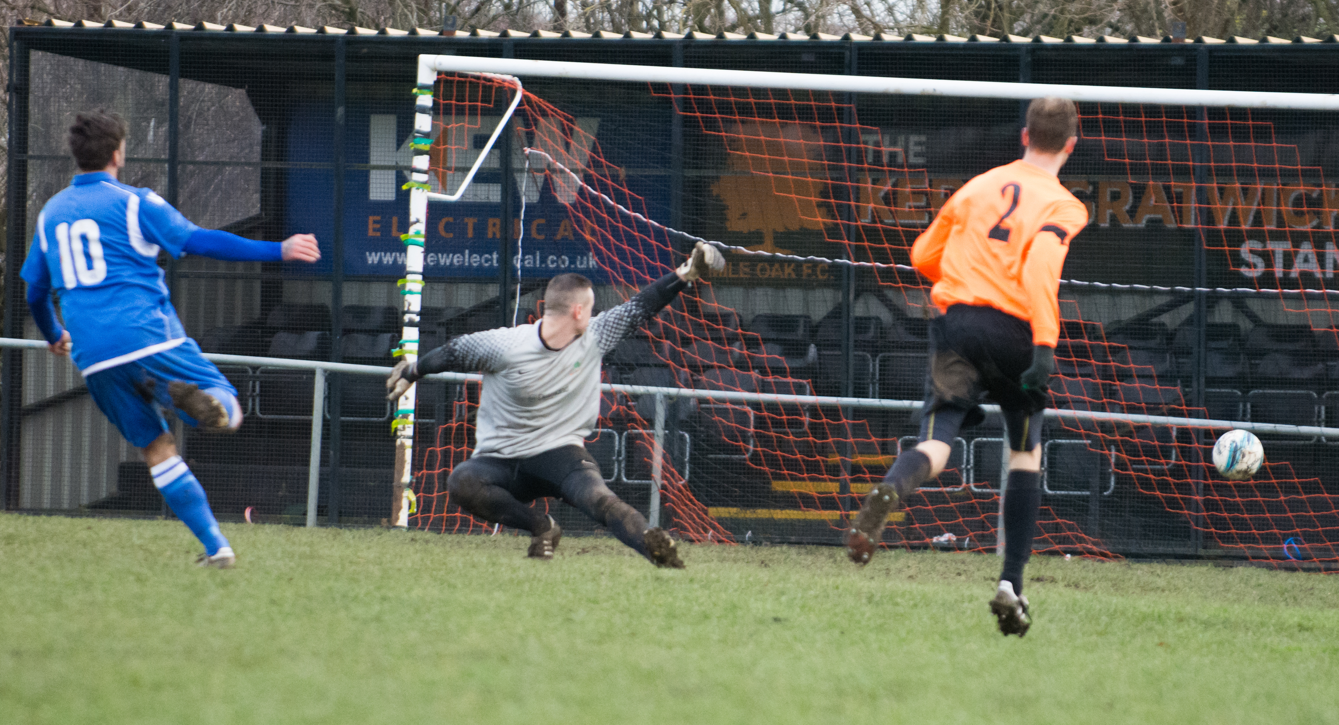 Mile Oak Res vs Sidley United 09.12.17 27