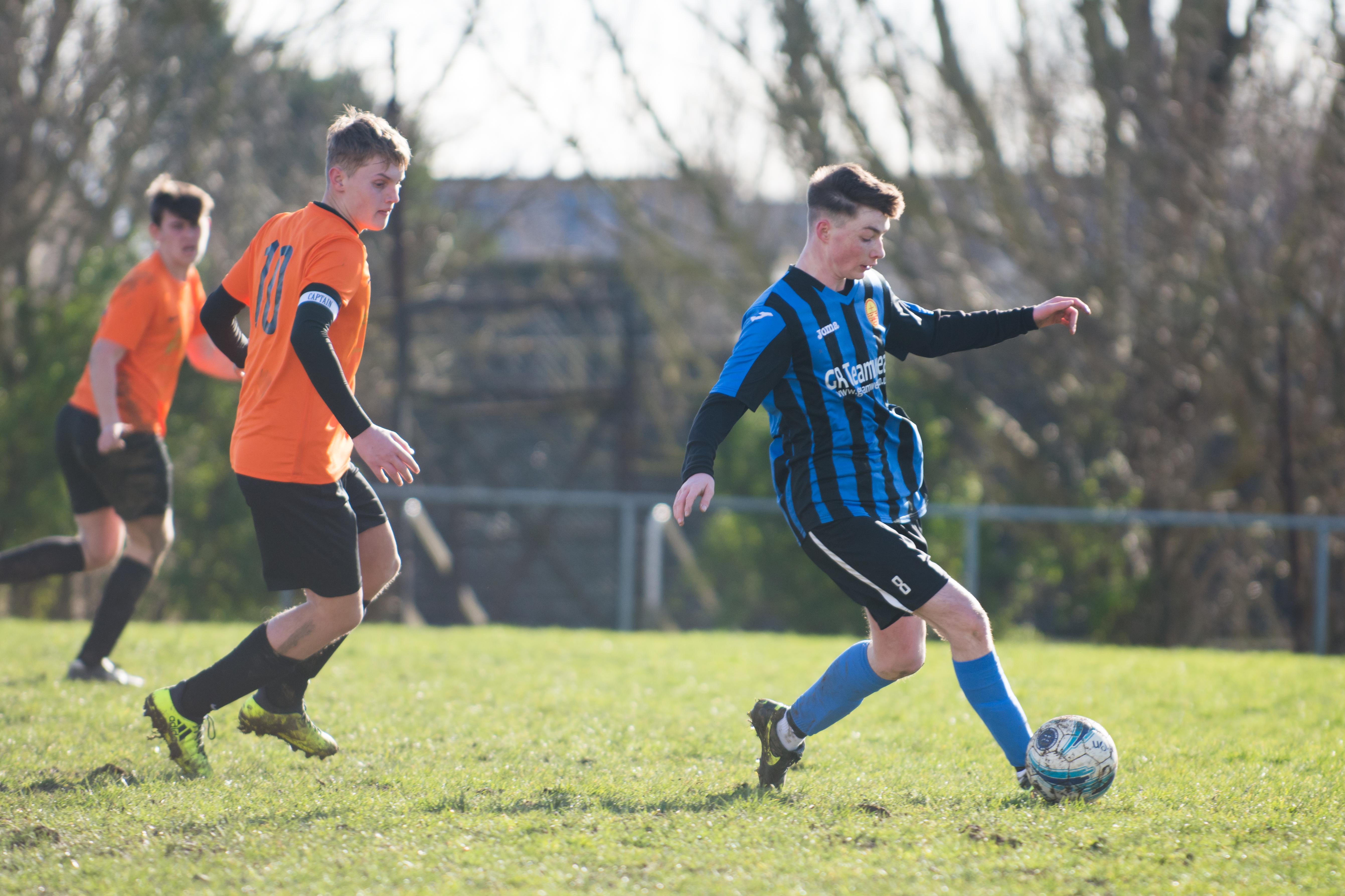 Mile Oak FC U18s vs Newhaven FC U18s 04.02.18 26
