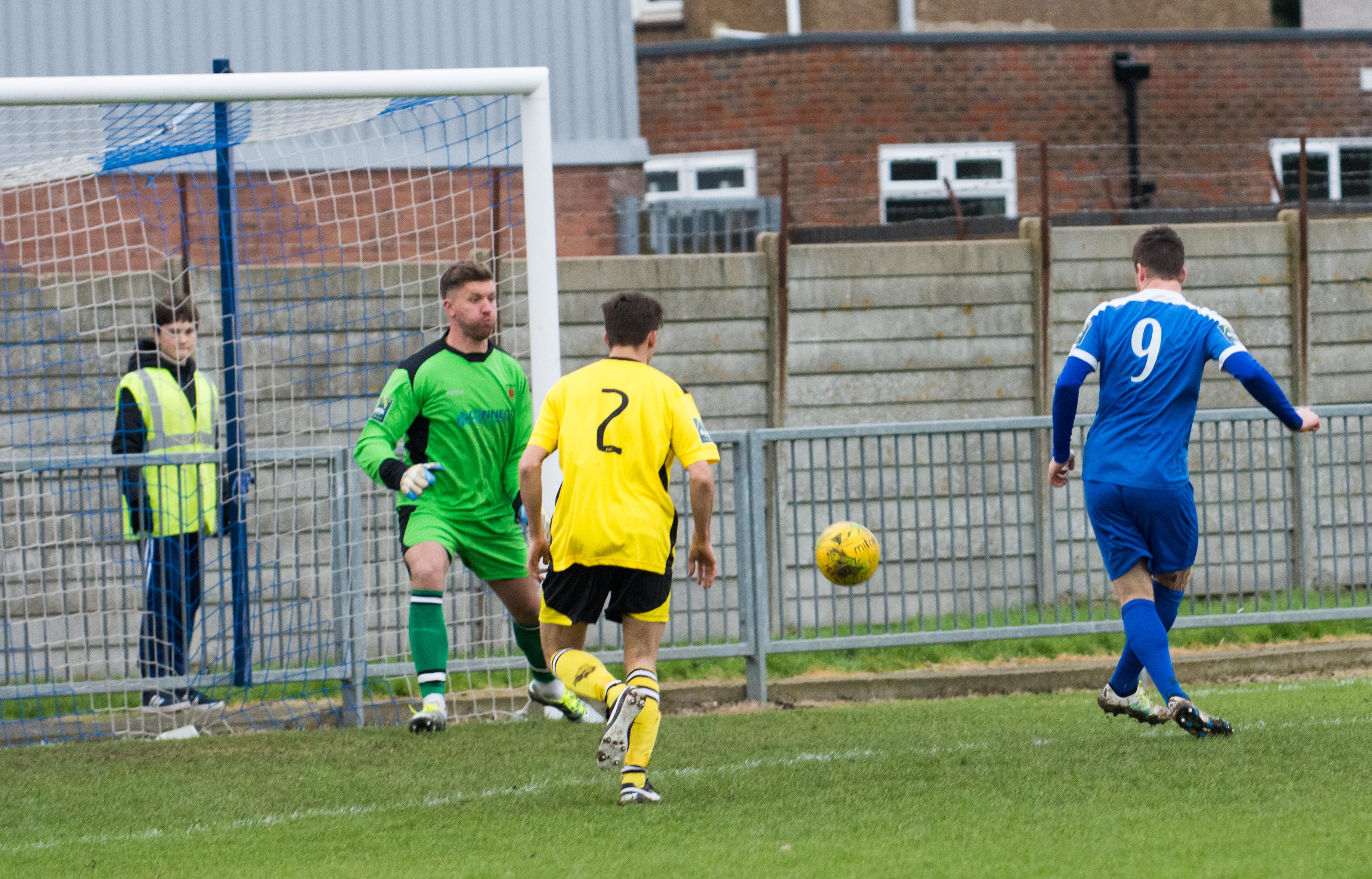 Shoreham FC vs Faversham Town 16.12.17 38