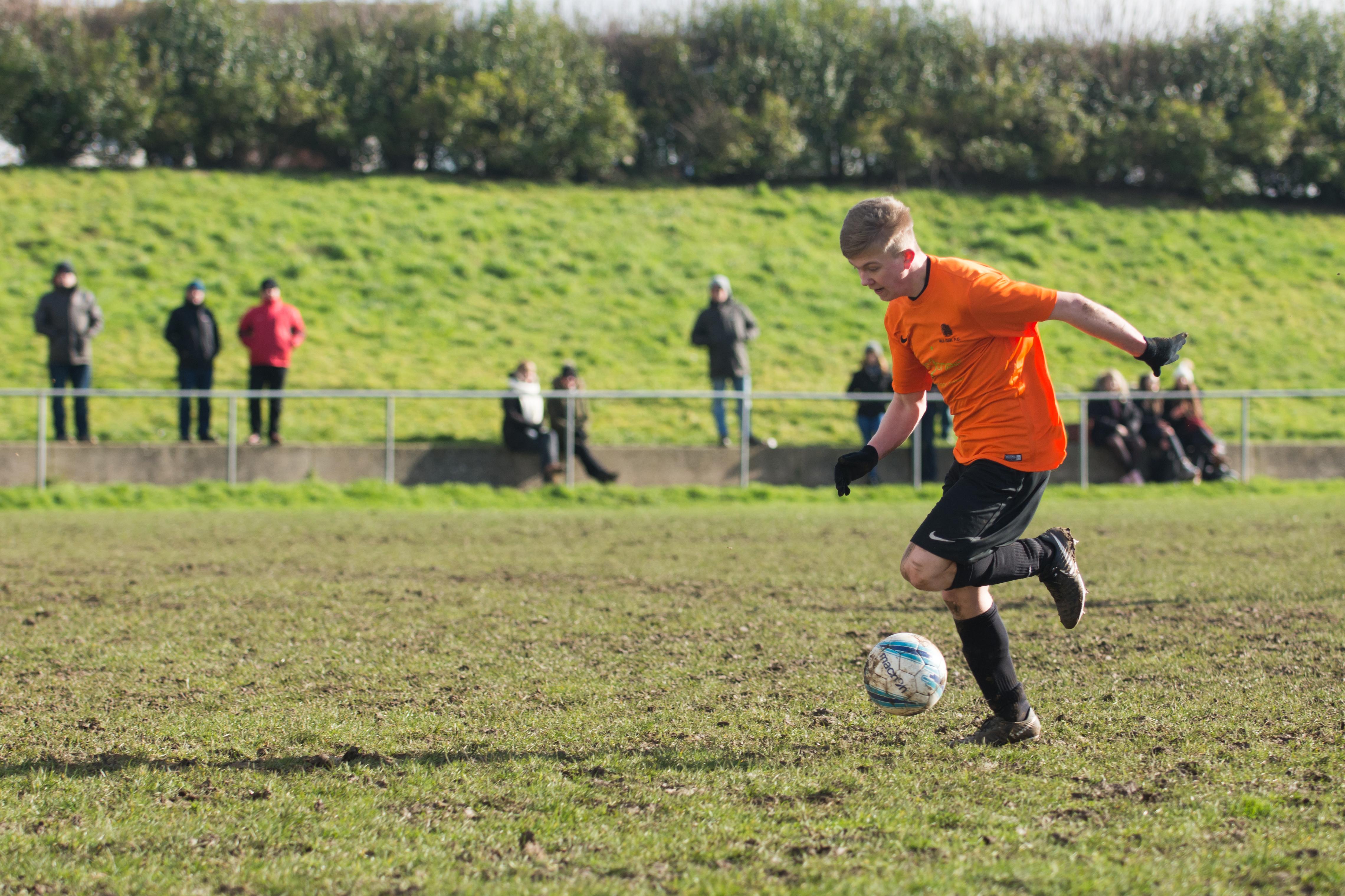 Mile Oak FC U18s vs Newhaven FC U18s 04.02.18 19