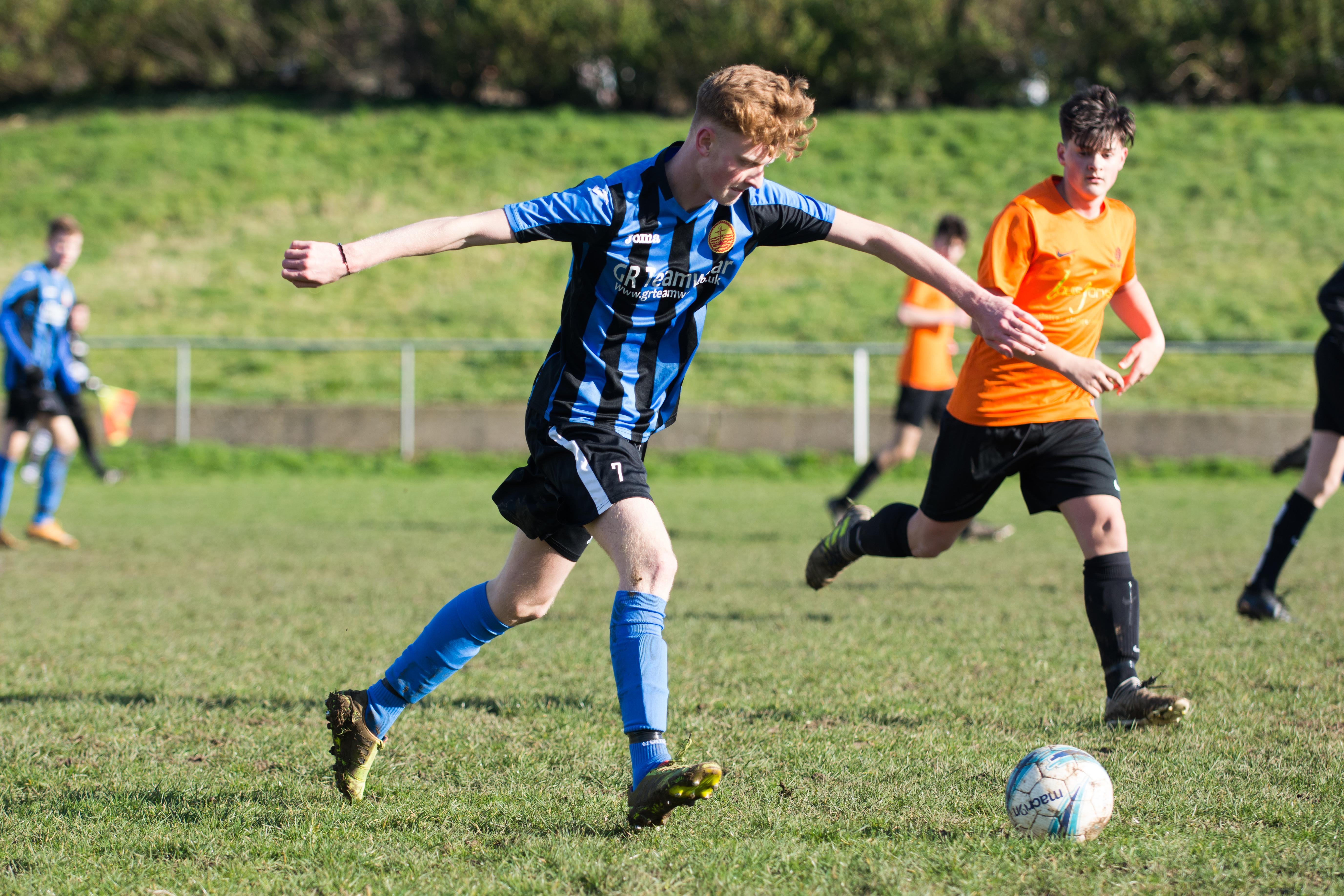 Mile Oak FC U18s vs Newhaven FC U18s 04.02.18 32