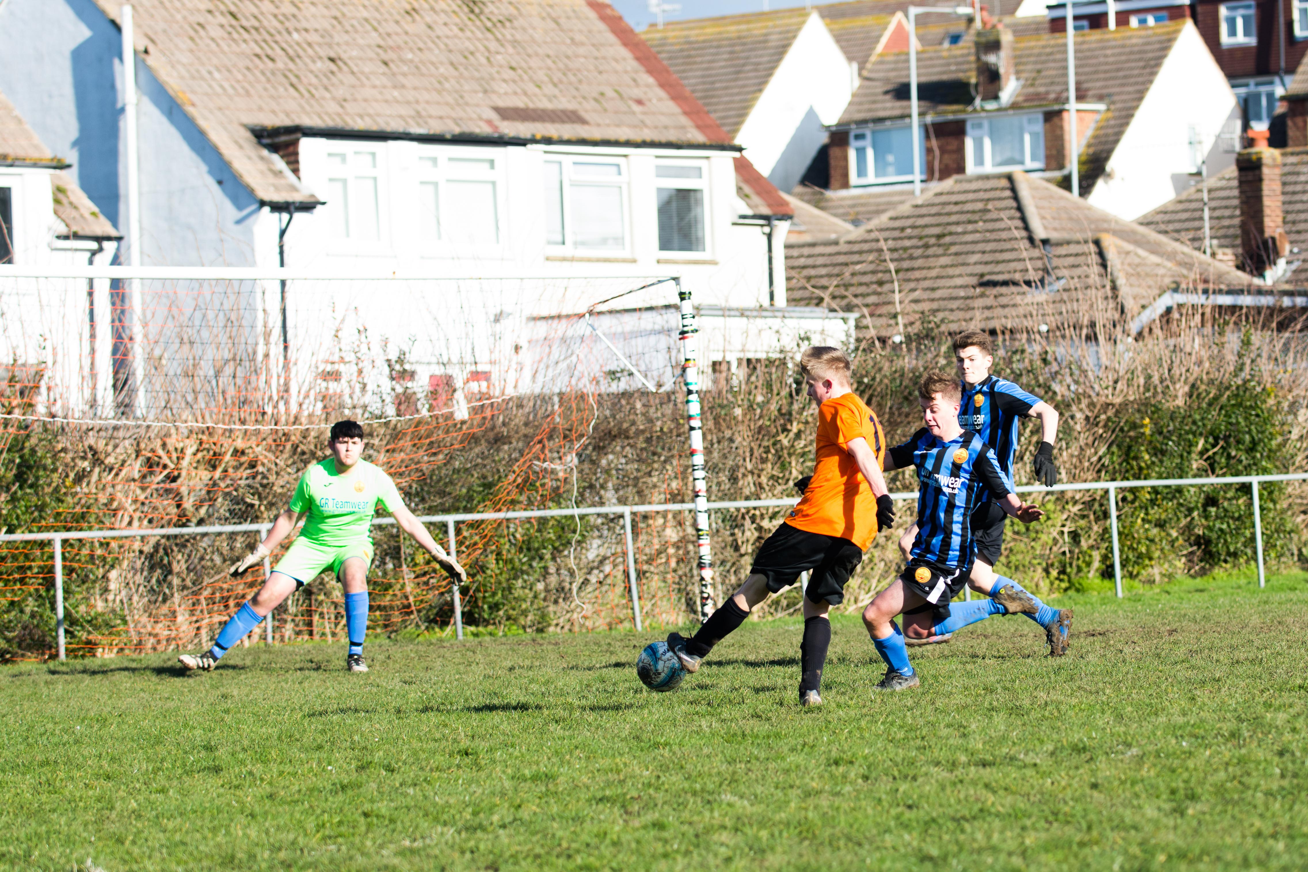 Mile Oak FC U18s vs Newhaven FC U18s 04.02.18 29