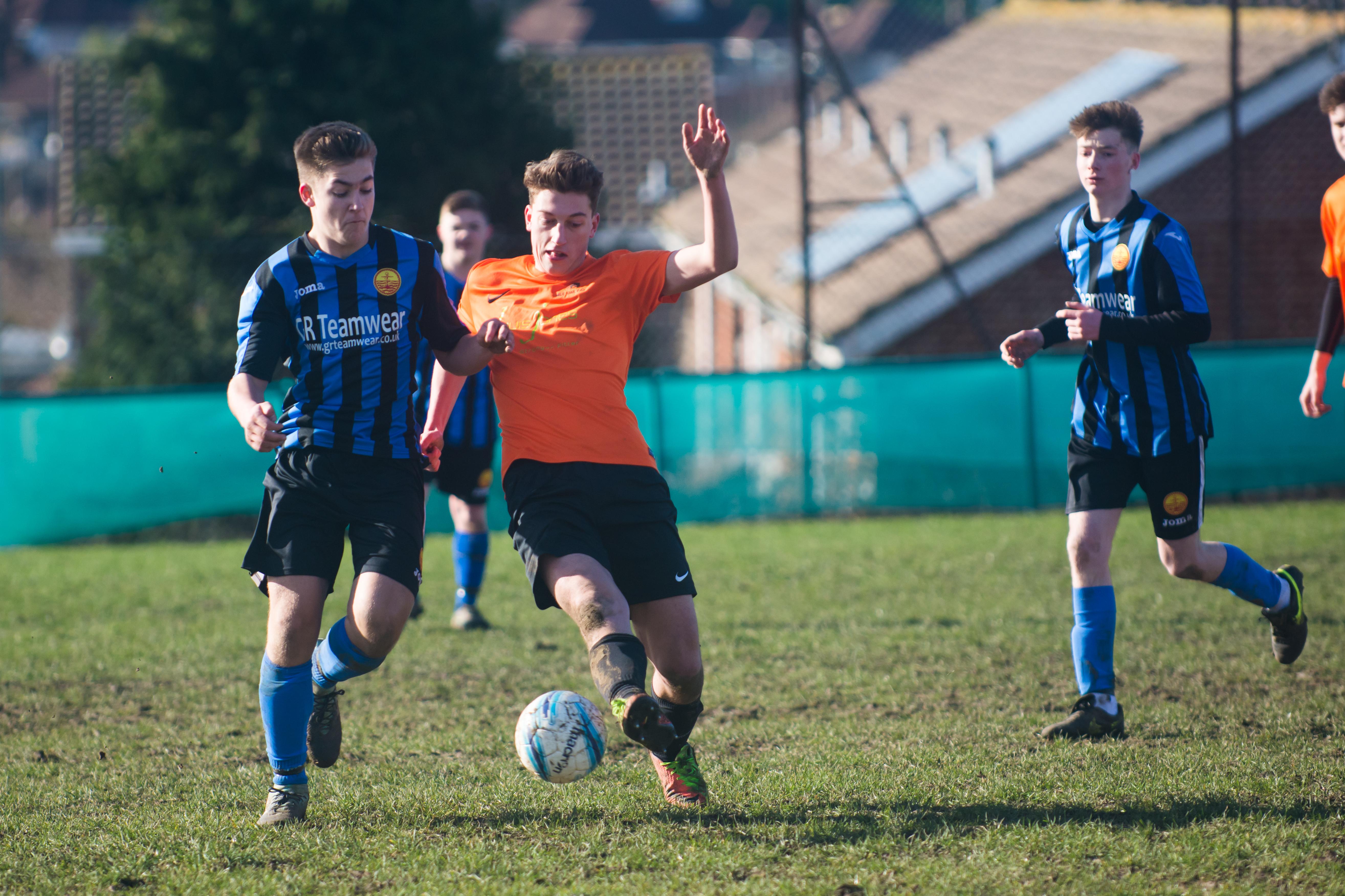 Mile Oak FC U18s vs Newhaven FC U18s 04.02.18 38