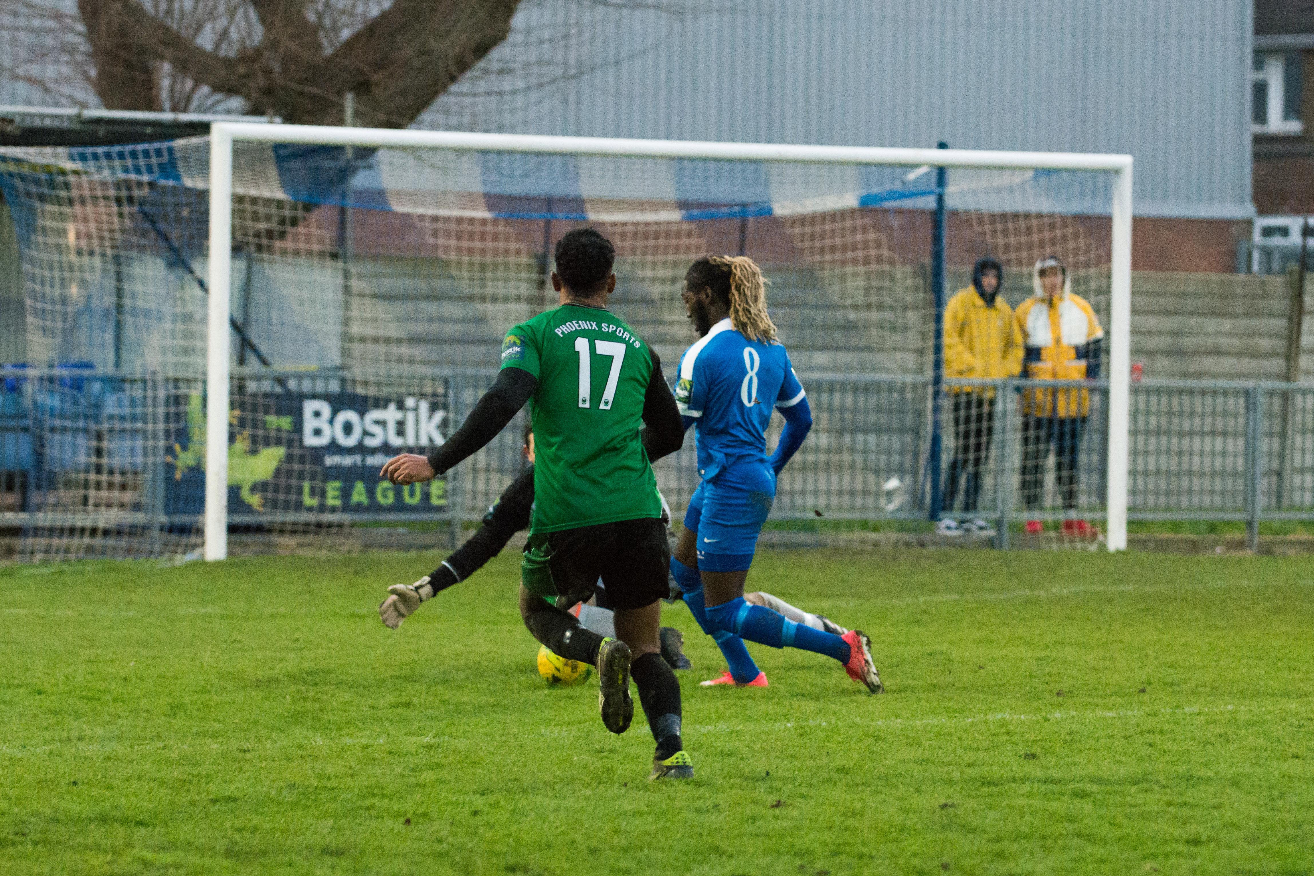 Shoreham FC vs Phoenix Sports 13.01.18 39