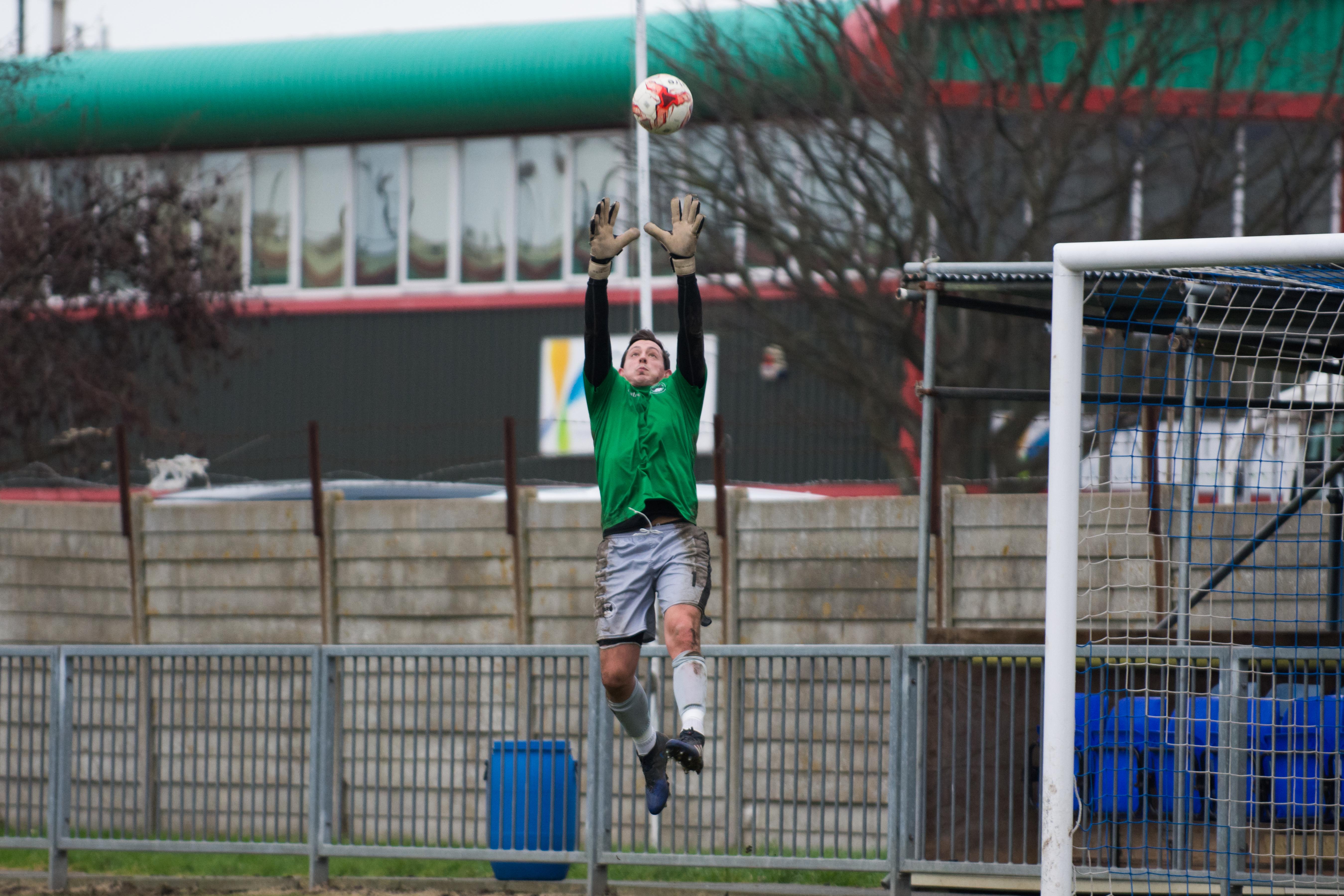 Shoreham FC vs Phoenix Sports 13.01.18 09