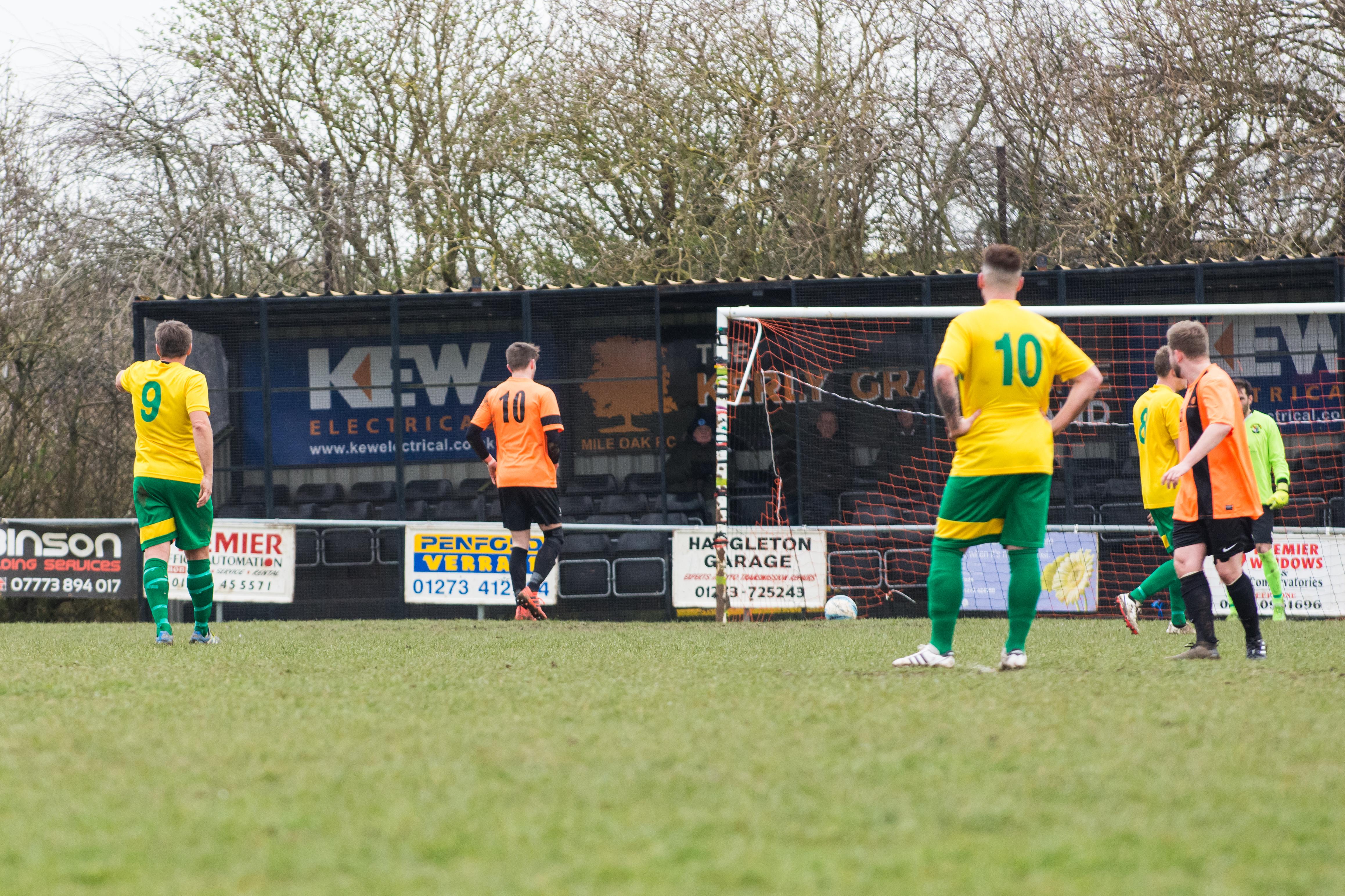DAVID_JEFFERY Mile Oak FC vs Hailsham Town FC 24.03.18 73