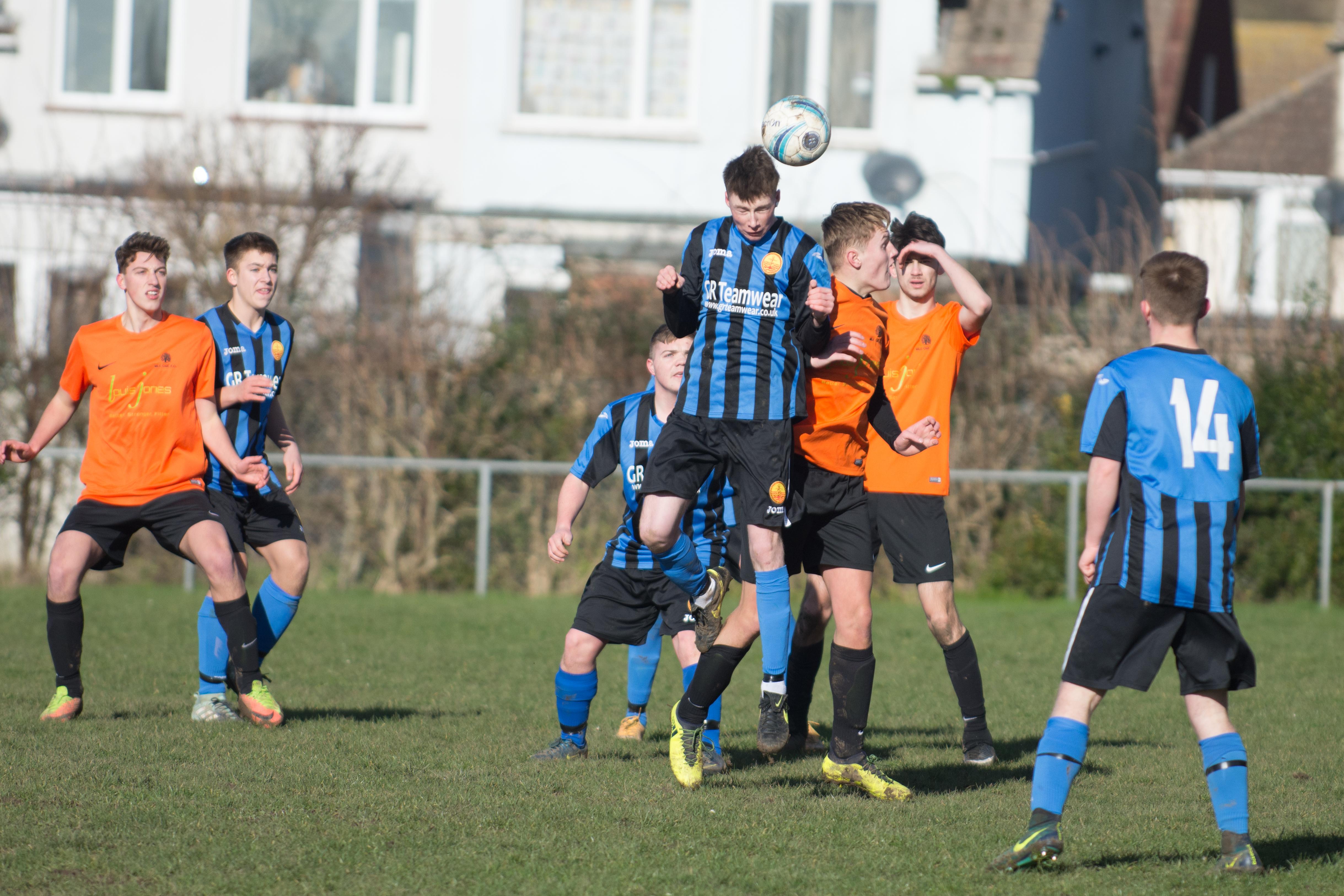 Mile Oak FC U18s vs Newhaven FC U18s 04.02.18 15