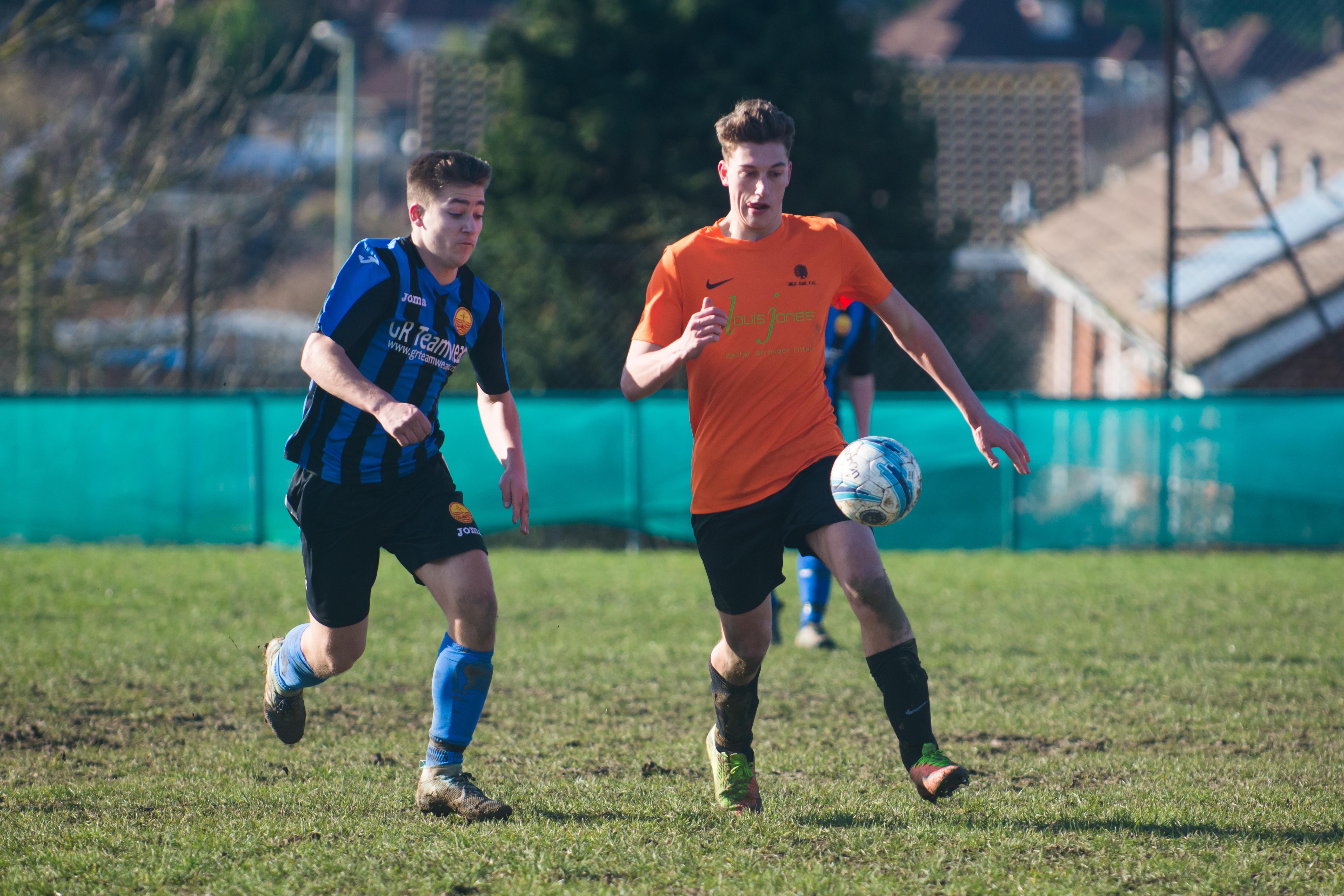 Mile Oak FC U18s vs Newhaven FC U18s 04.02.18 37
