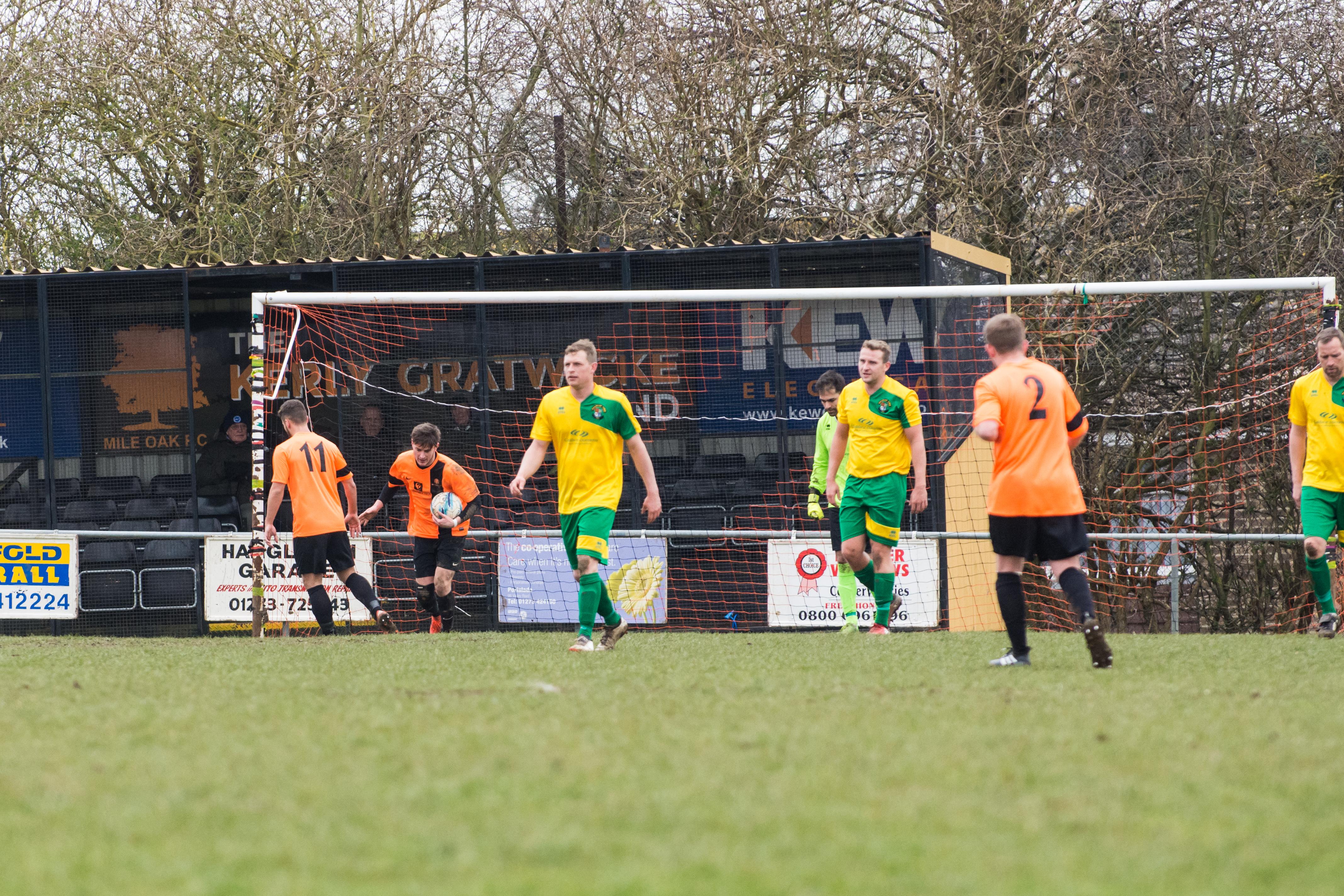 DAVID_JEFFERY Mile Oak FC vs Hailsham Town FC 24.03.18 77