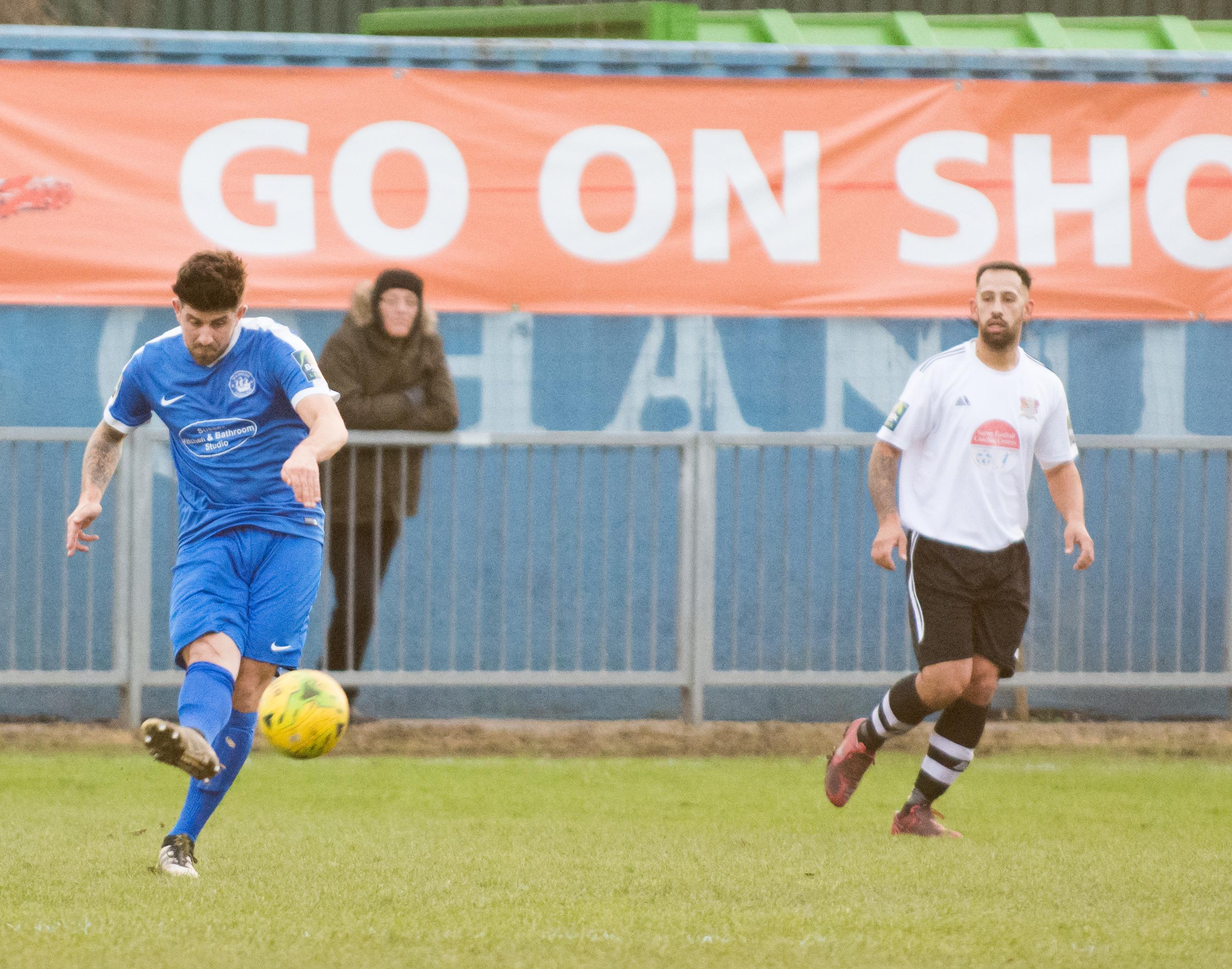 Shoreham FC vs Molesey FC 02.12.17 73