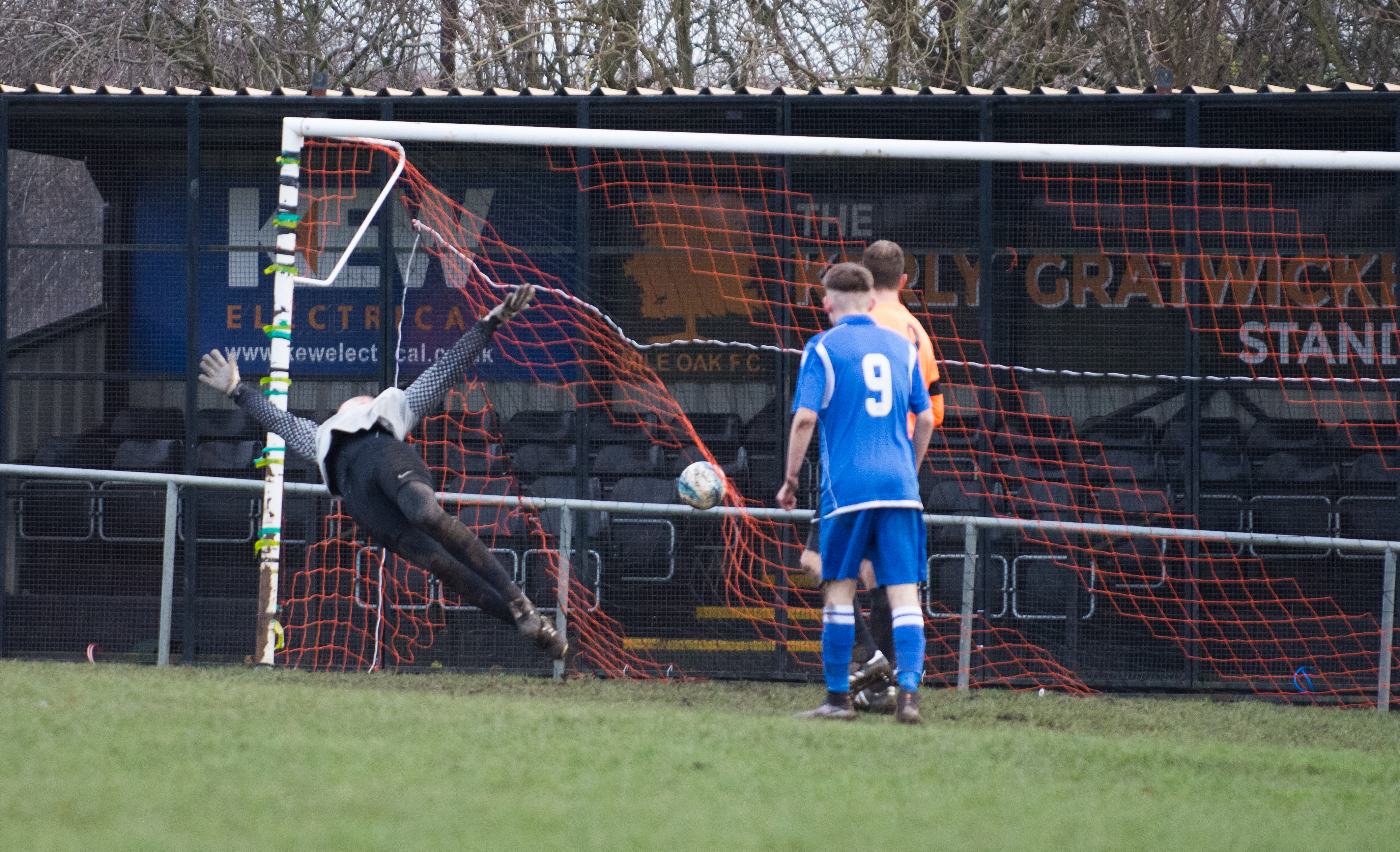 Mile Oak Res vs Sidley United 09.12.17 17
