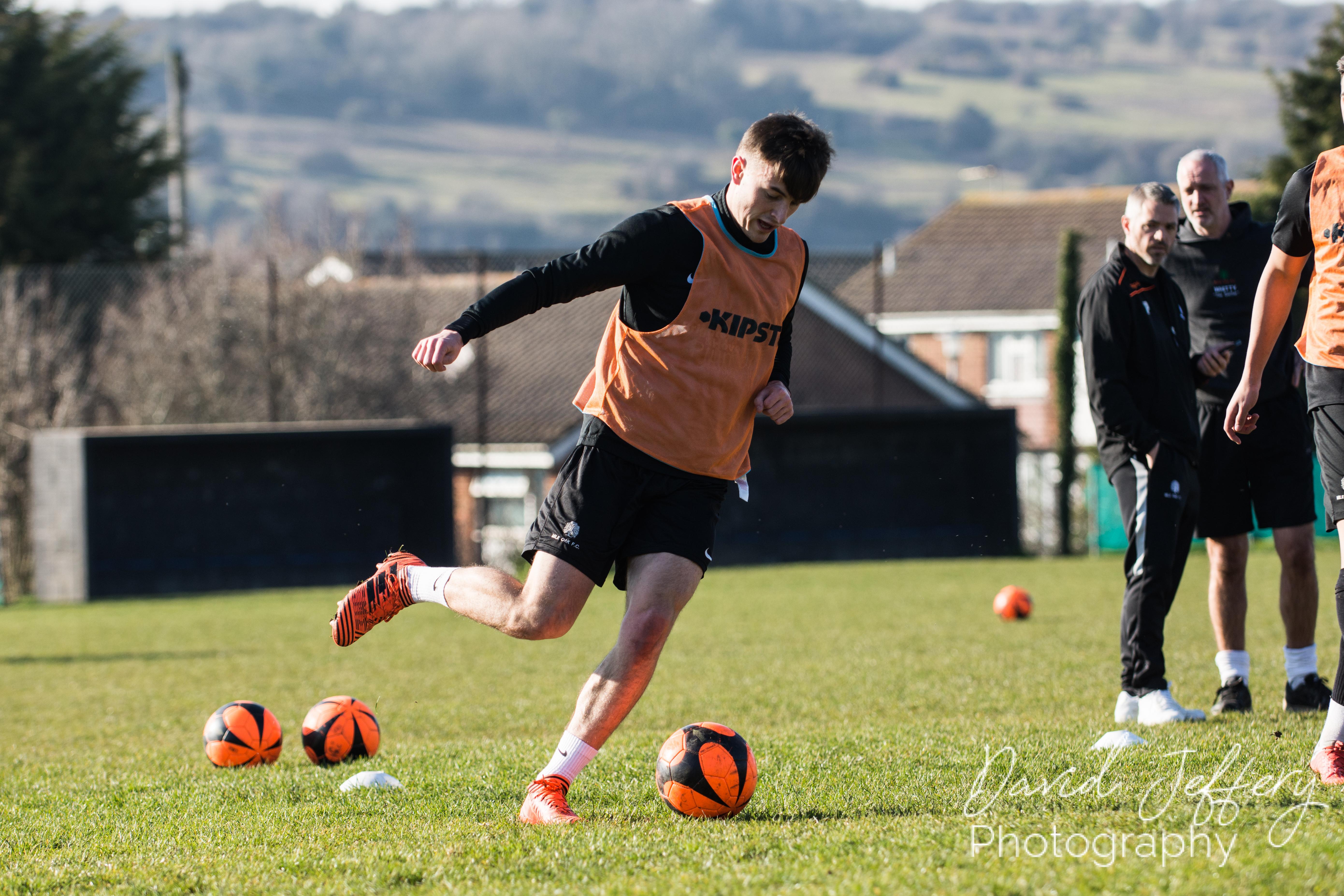 DAVID_JEFFERY MOFC vs Storrington 001