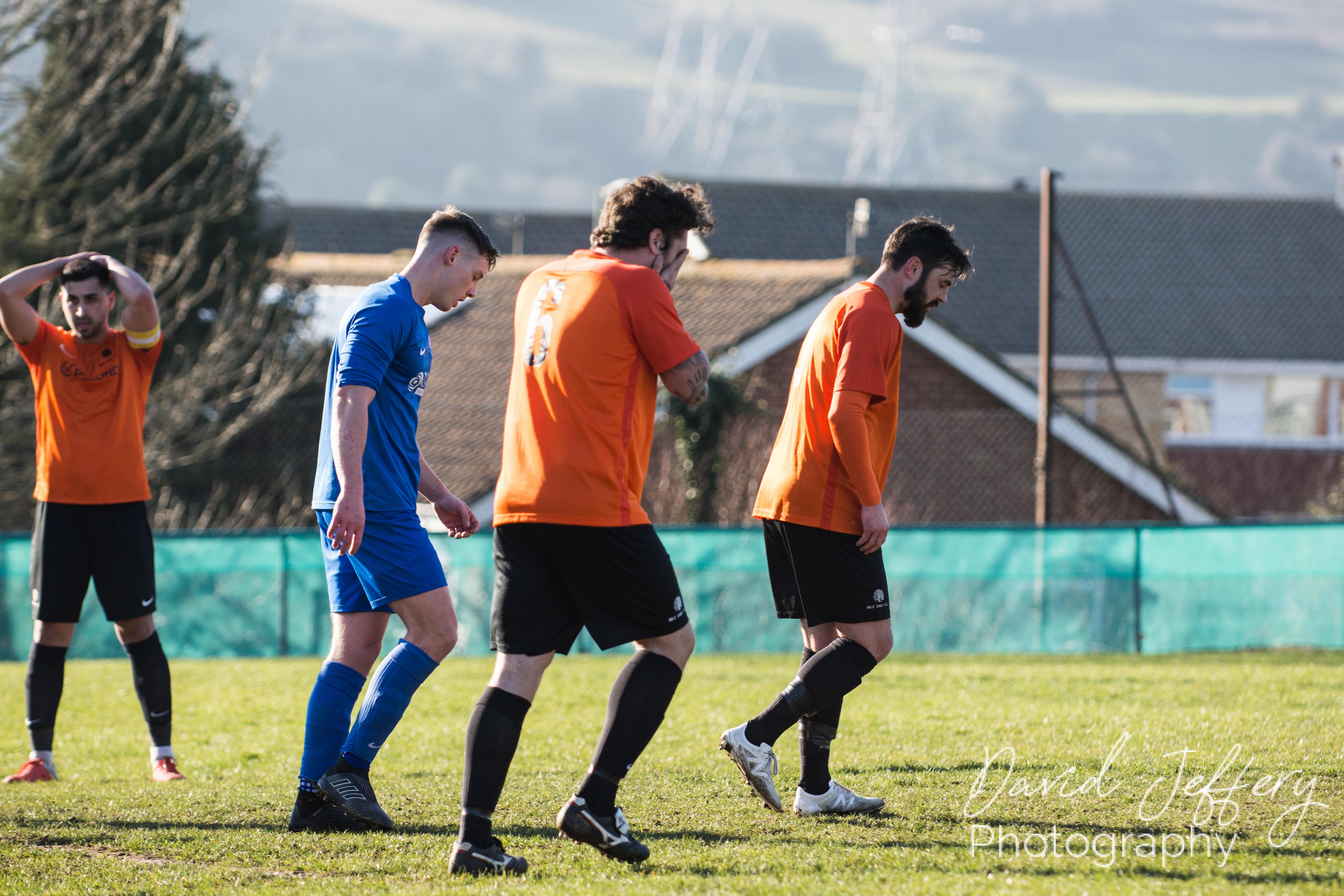 DAVID_JEFFERY MOFC vs Storrington 020