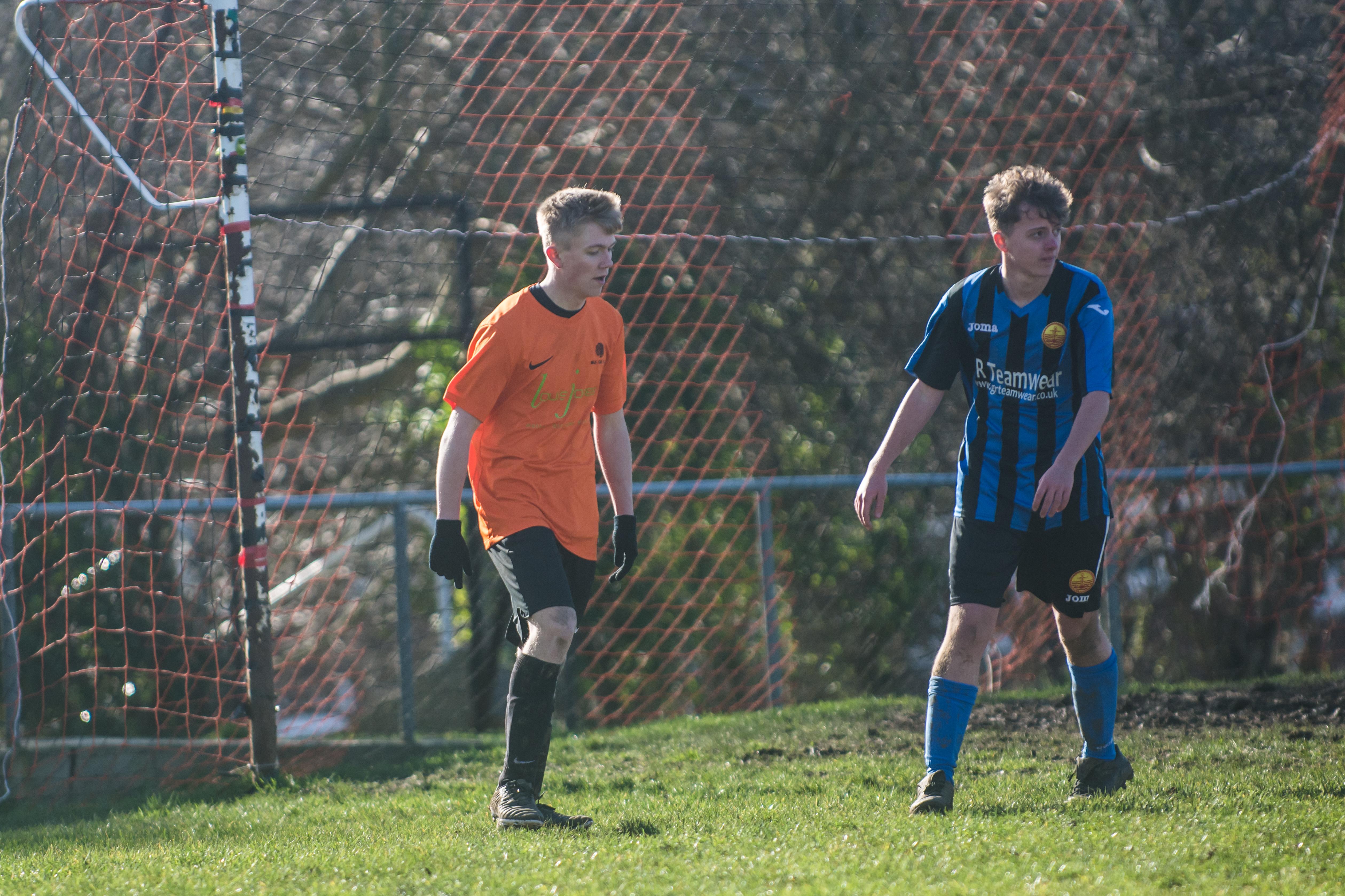Mile Oak FC U18s vs Newhaven FC U18s 04.02.18 41