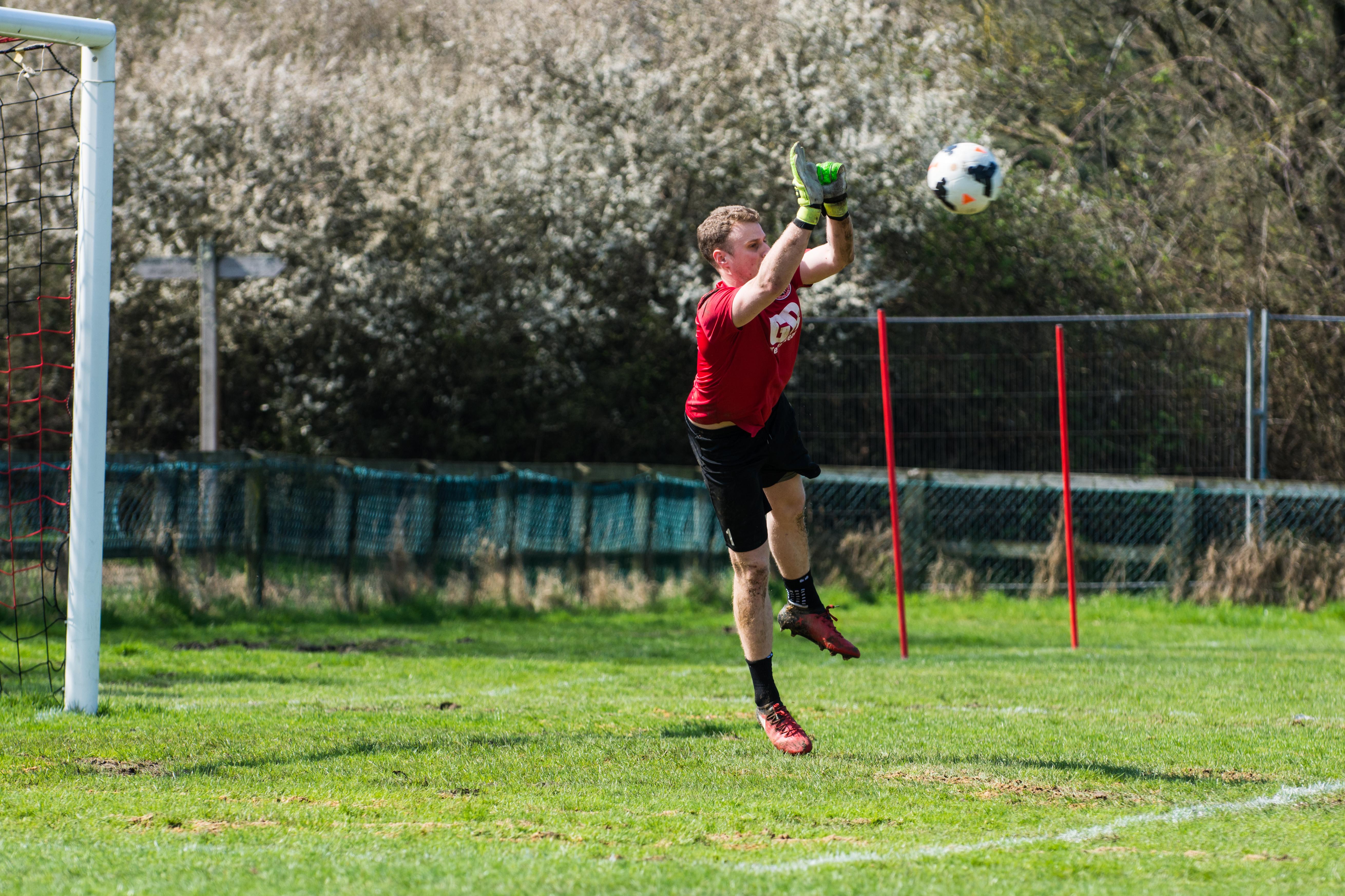 DAVID_JEFFERY Billingshurst FC vs AFC Varndeanians 14.04.18 05