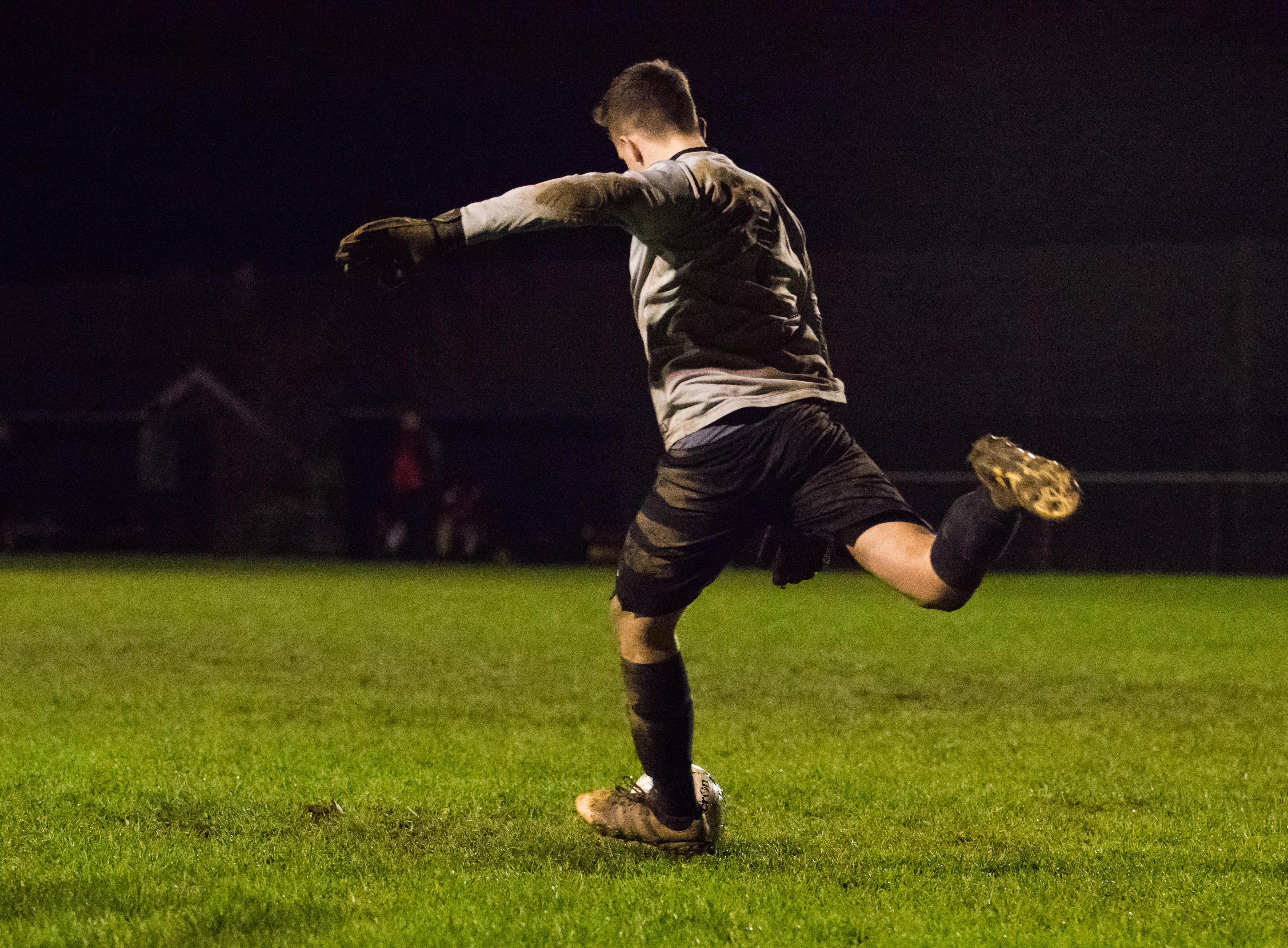 Mile Oak U21s vs Southwick FC U21s 14.12.17 43