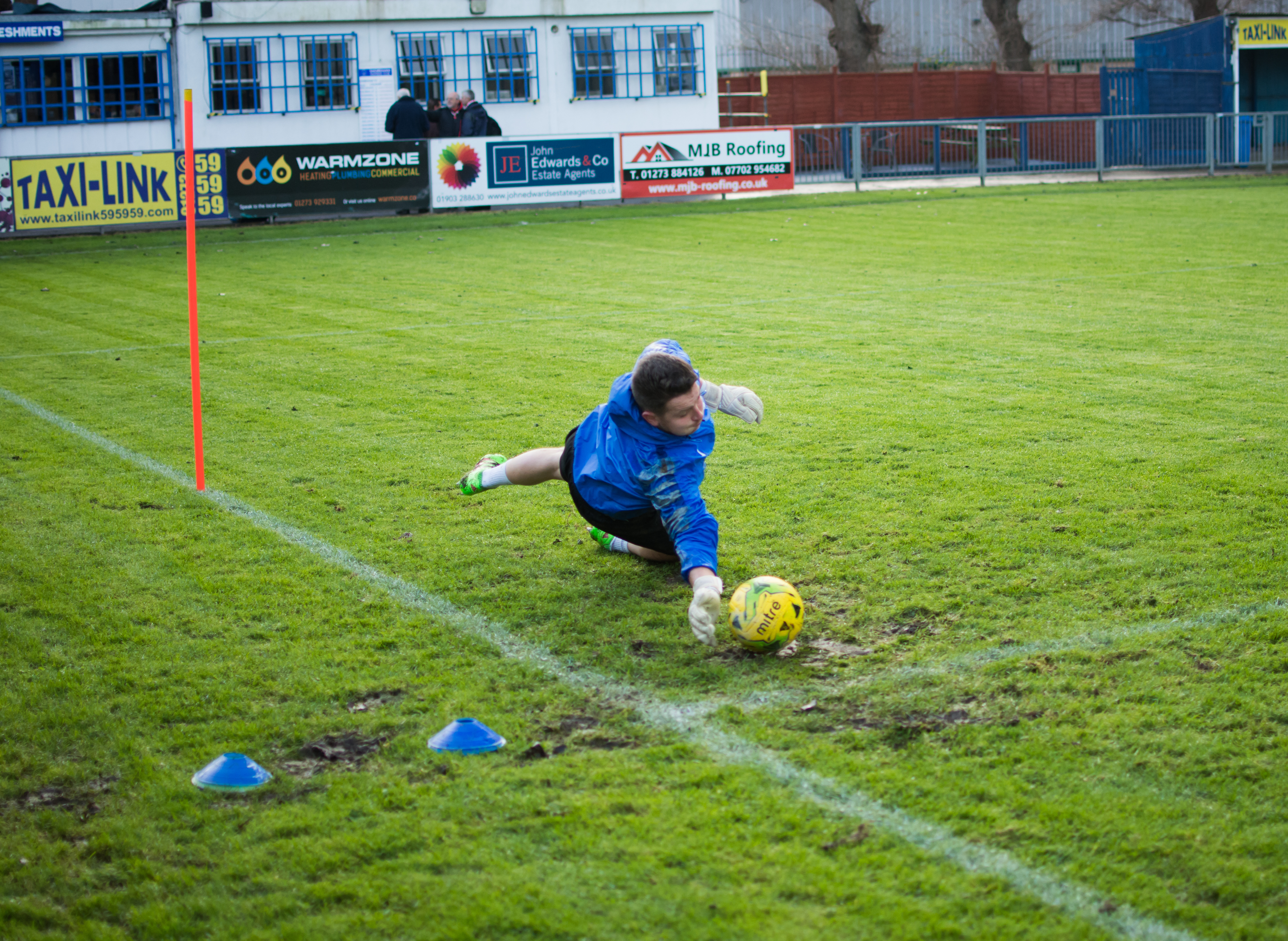 Shoreham FC vs Hythe Town 11.11.17 02