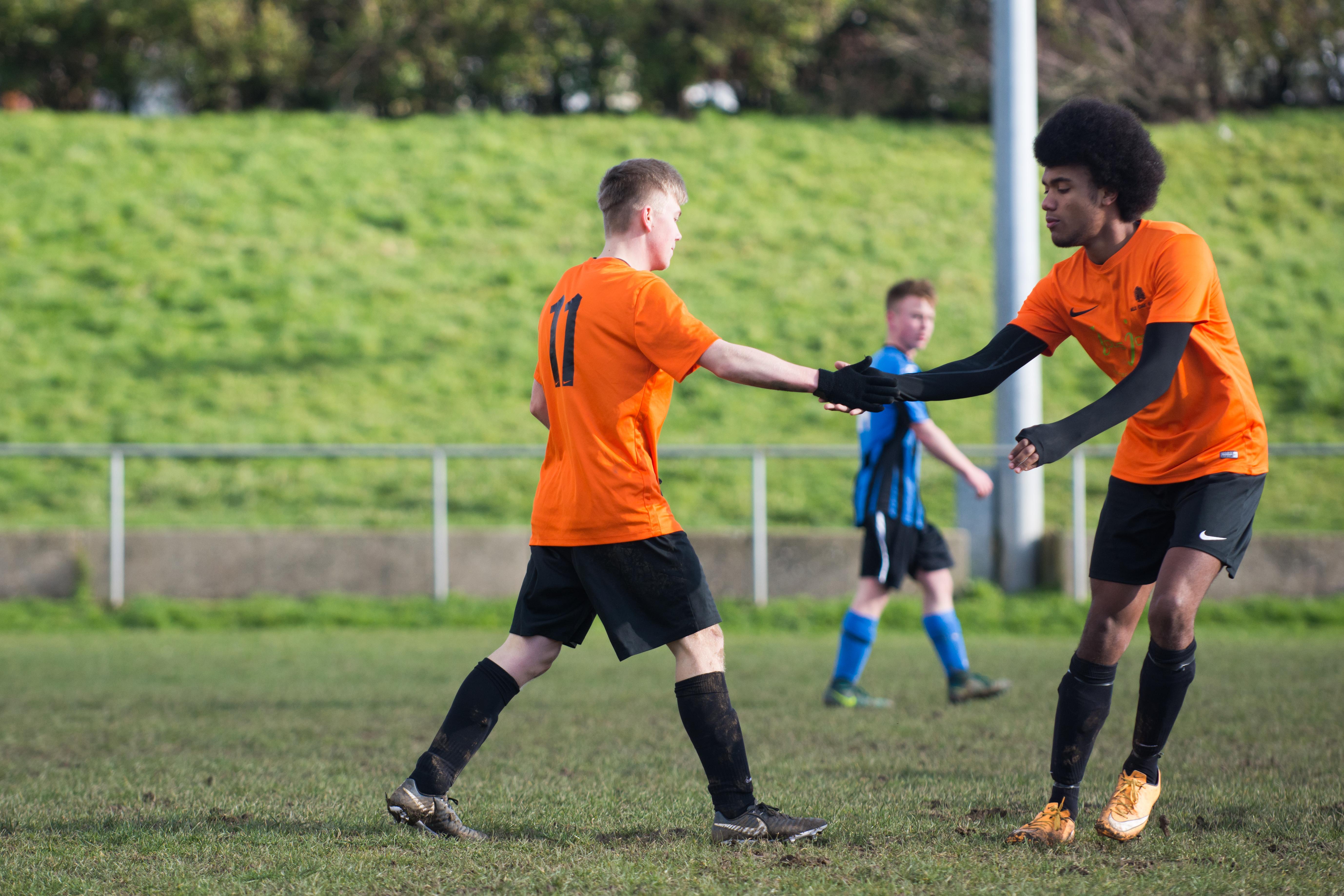Mile Oak FC U18s vs Newhaven FC U18s 04.02.18 25