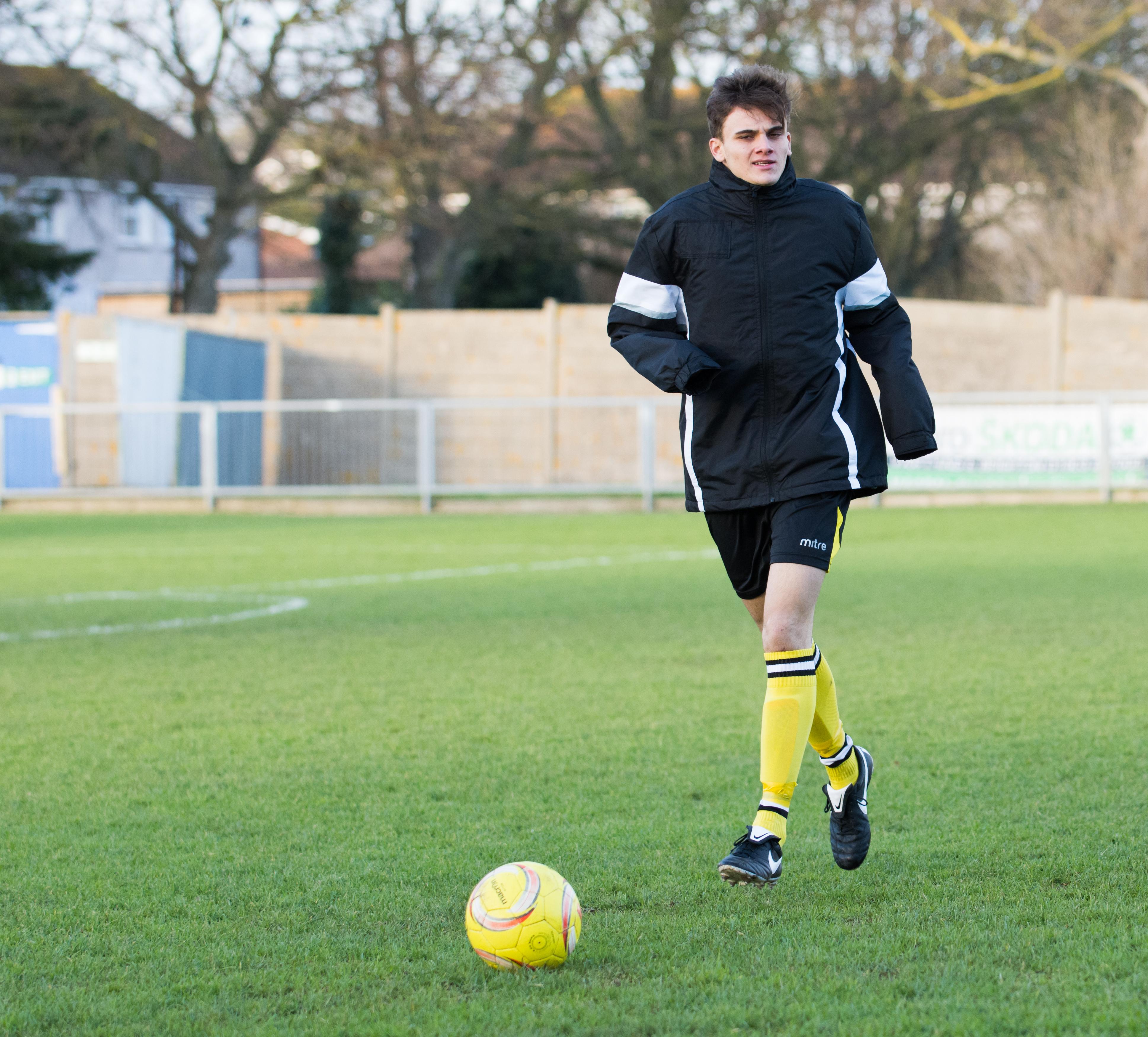 Shoreham FC vs Faversham Town 16.12.17 10