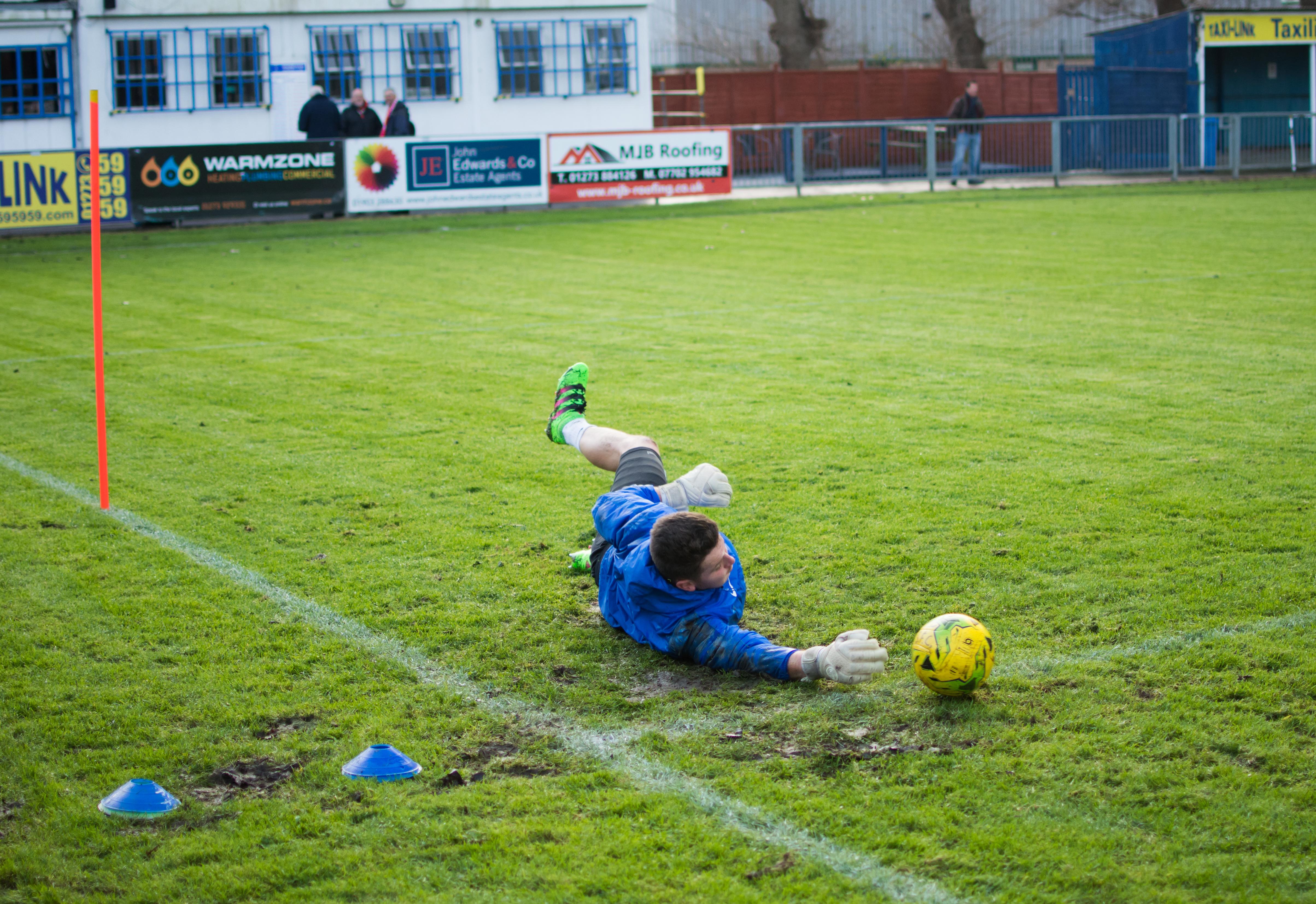 Shoreham FC vs Hythe Town 11.11.17 03