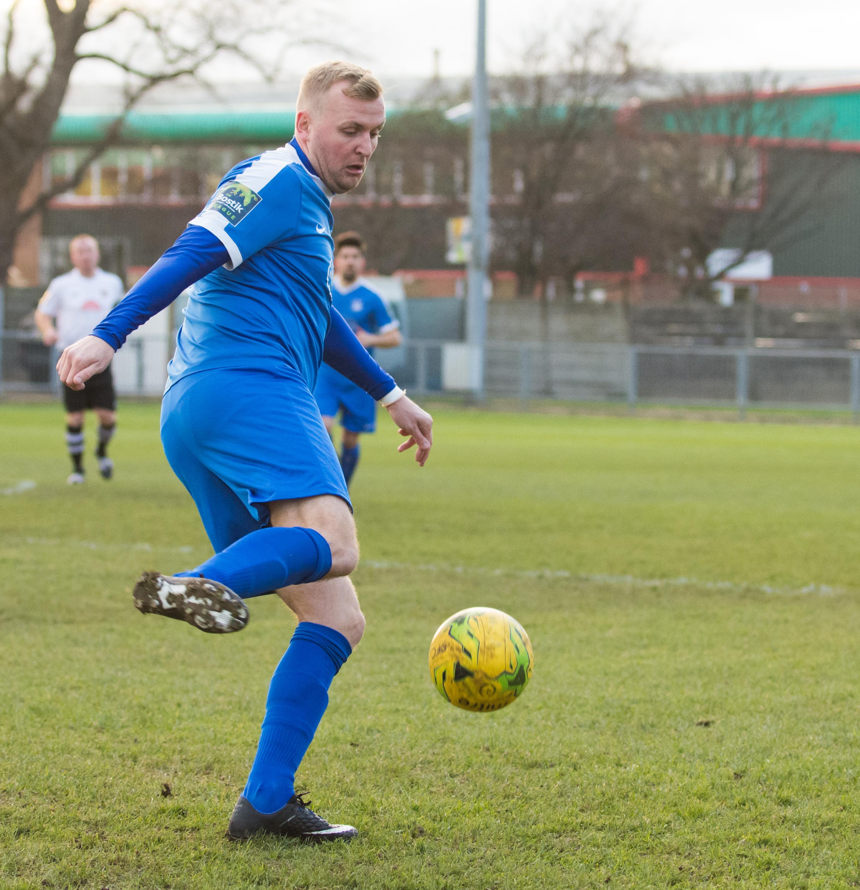 Shoreham FC vs Molesey FC 02.12.17 45