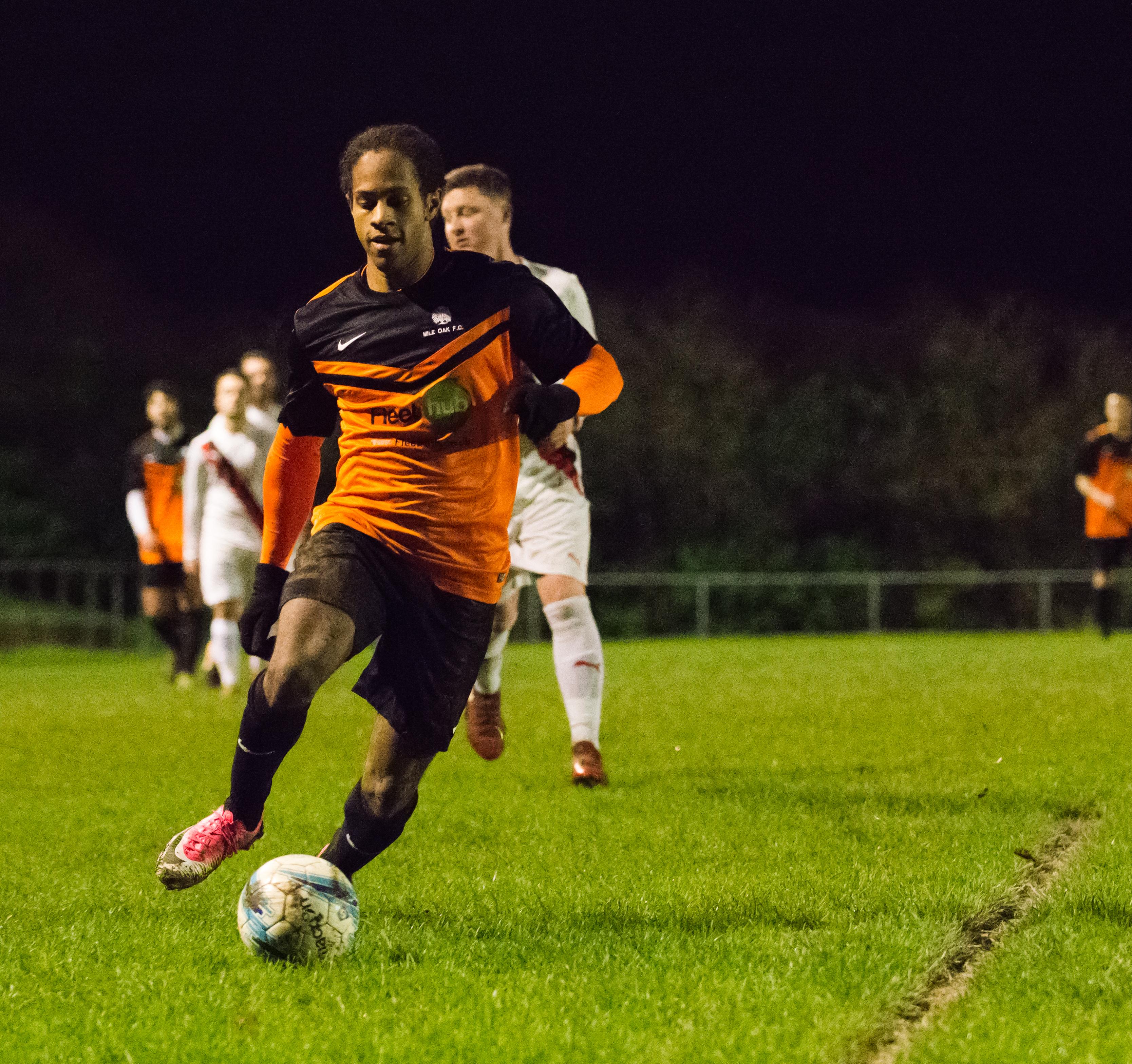 Mile Oak U21s vs Southwick FC U21s 14.12.17 07