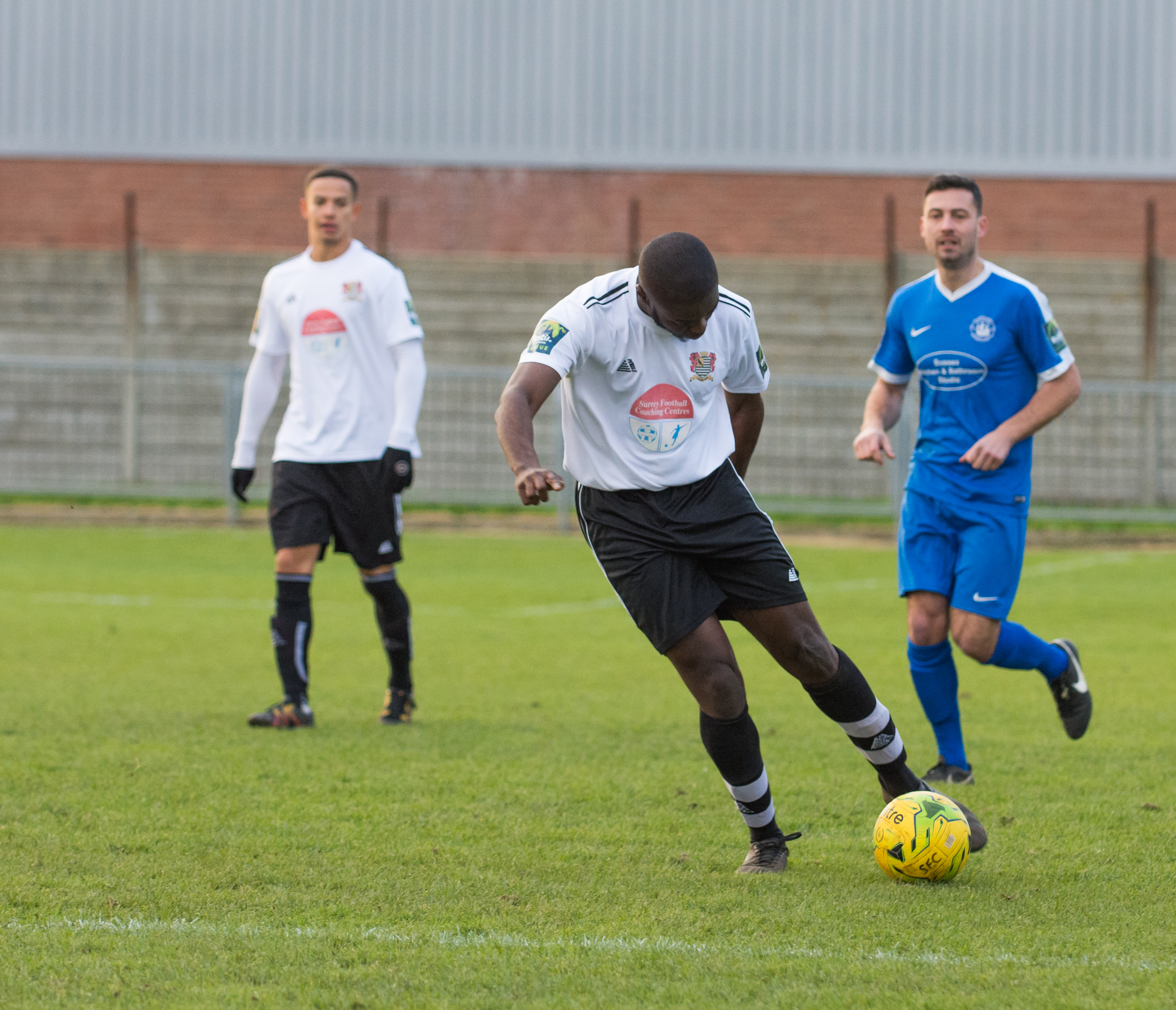 Shoreham FC vs Molesey FC 02.12.17 41