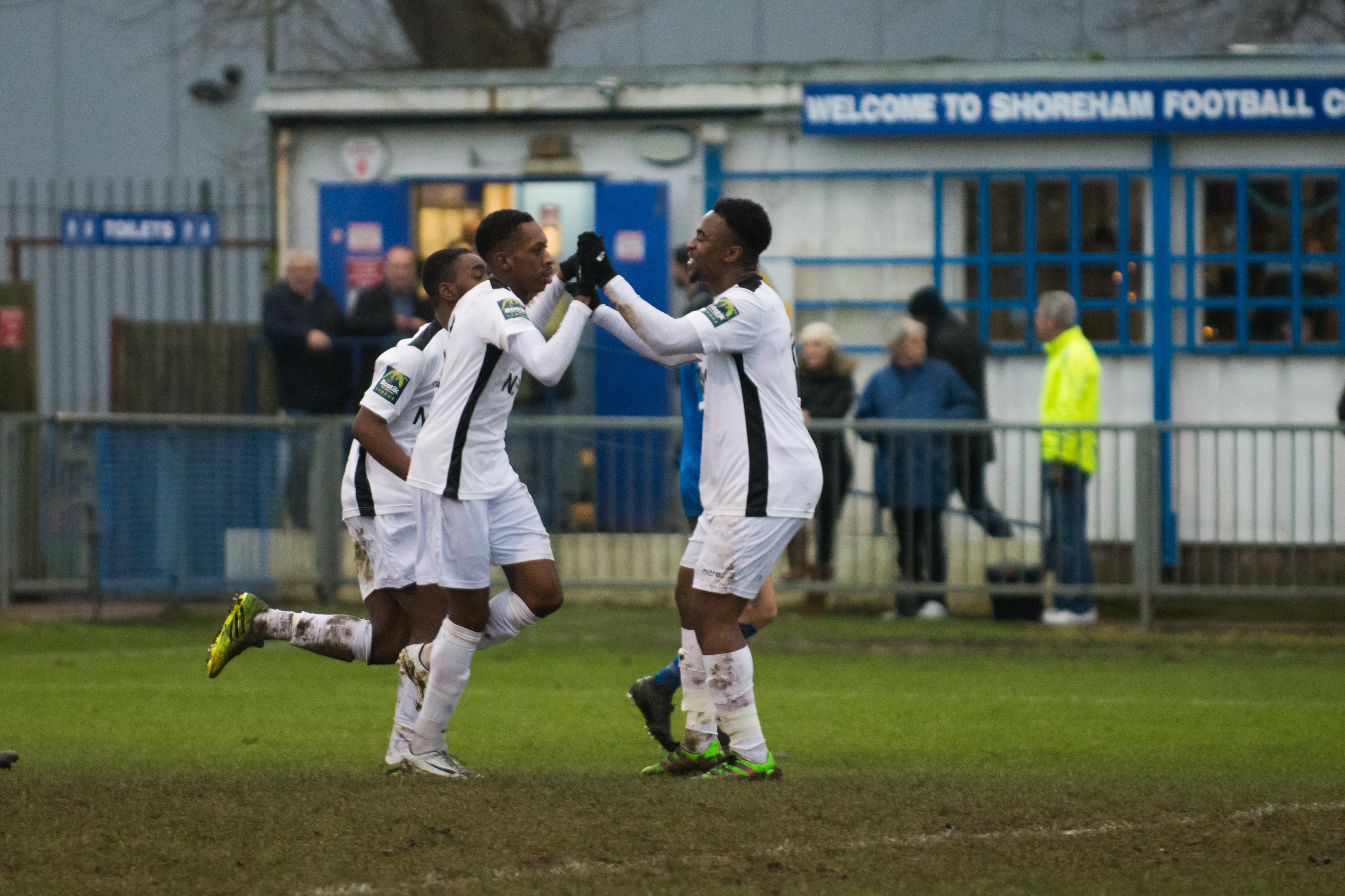 Shoreham FC vs Carshalton Ath 23.12.17 79