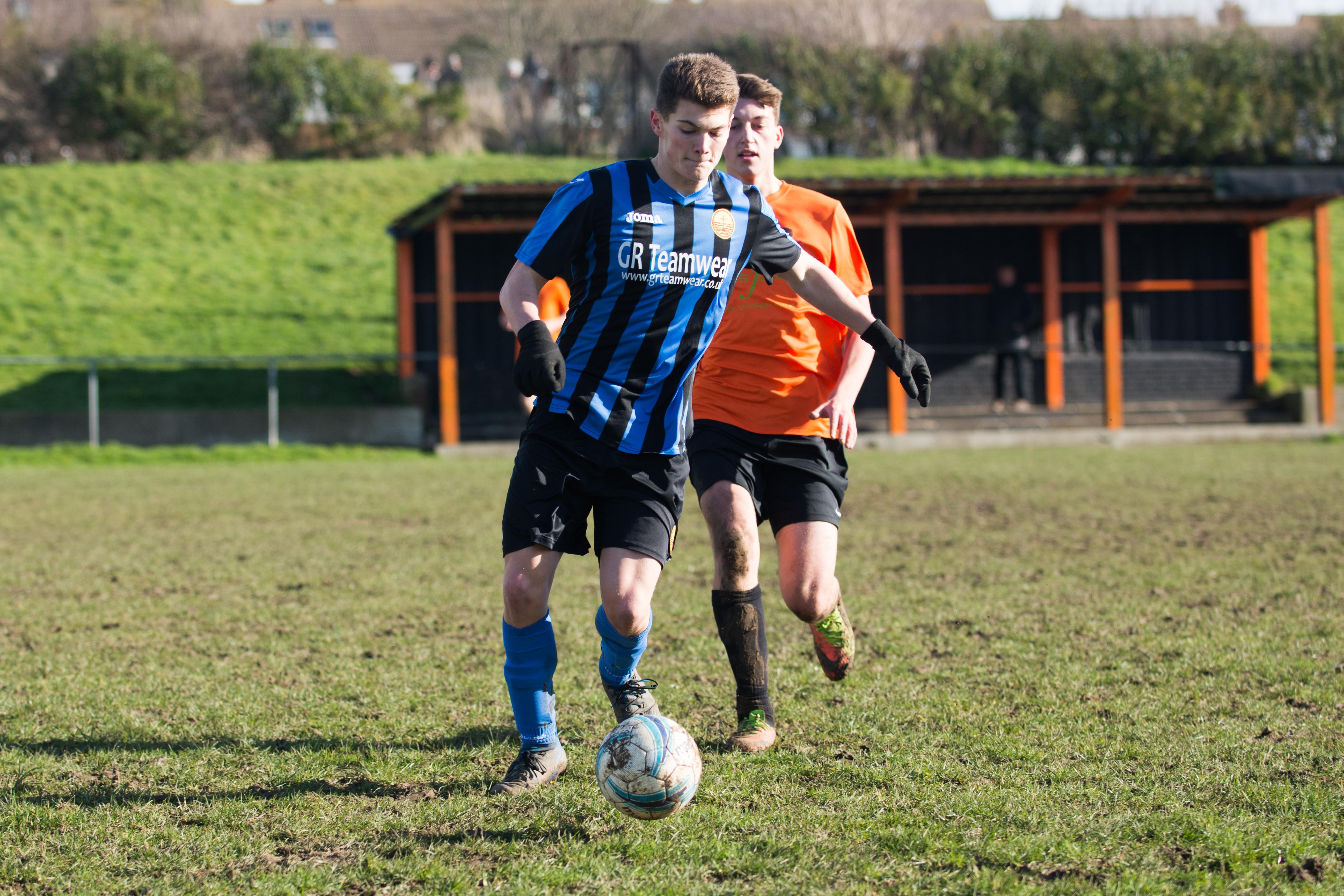 Mile Oak FC U18s vs Newhaven FC U18s 04.02.18 33