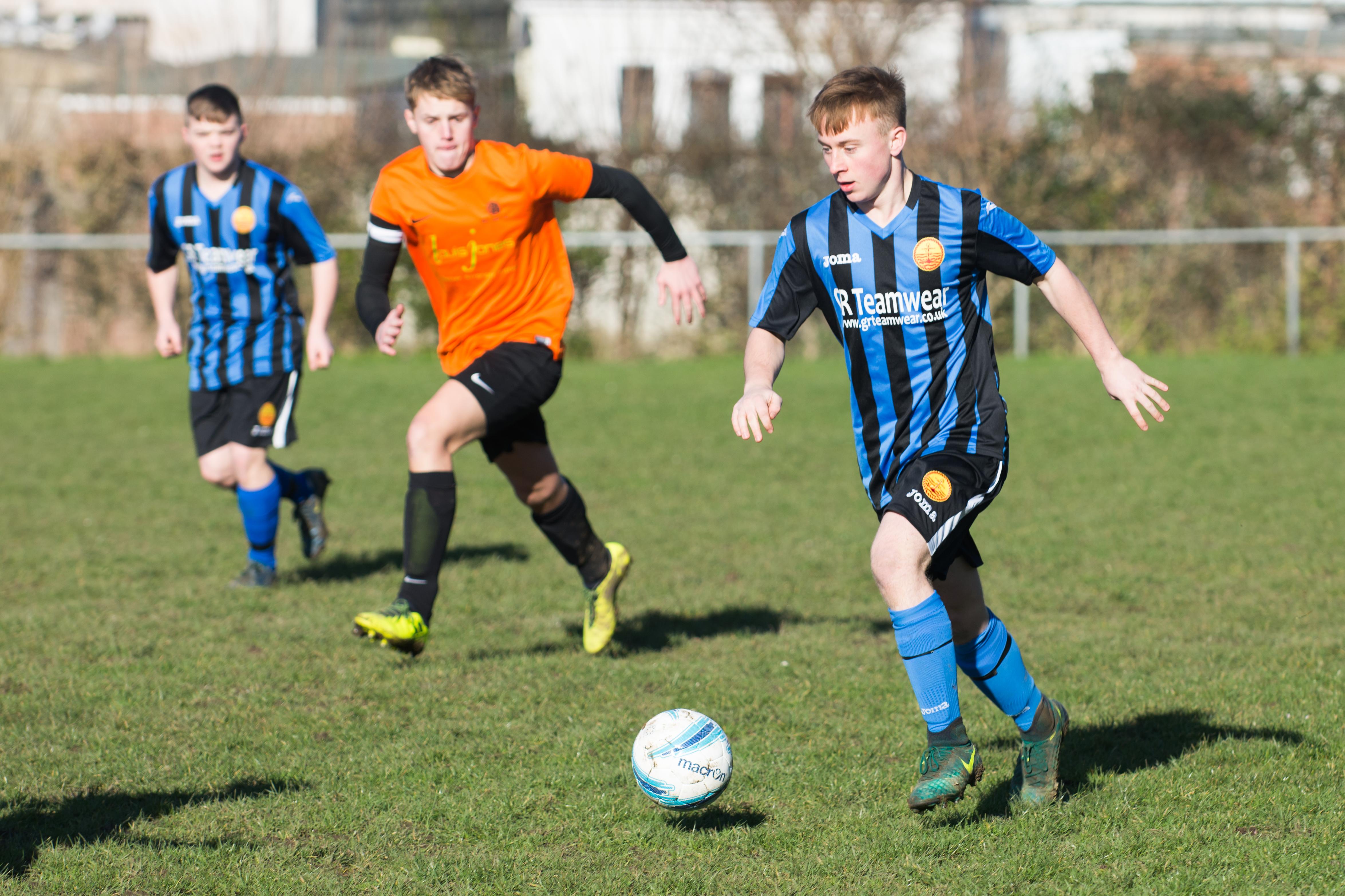 Mile Oak FC U18s vs Newhaven FC U18s 04.02.18 04