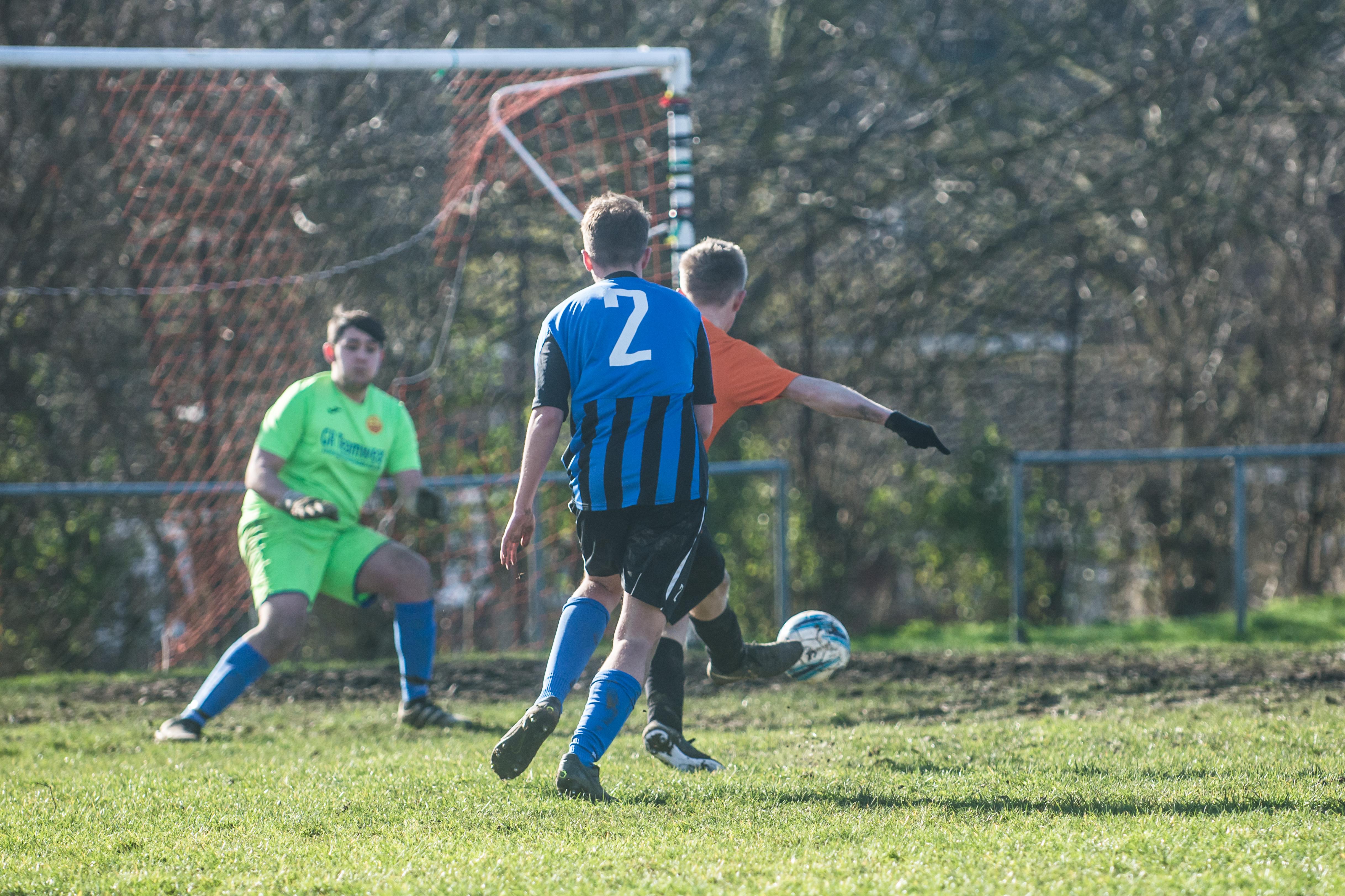 Mile Oak FC U18s vs Newhaven FC U18s 04.02.18 39
