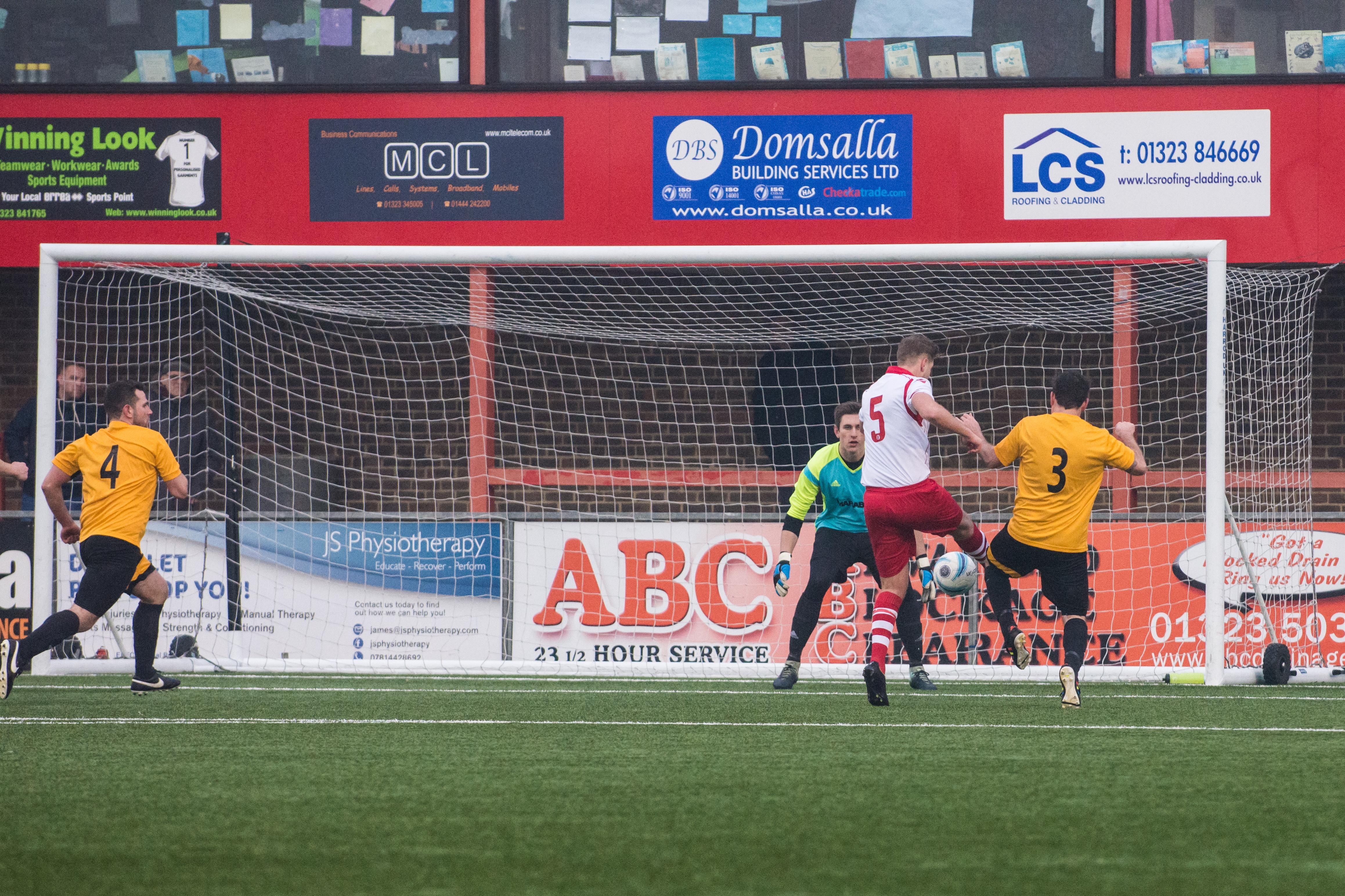 DAVID_JEFFERY Langney Wanderers FC vs Bexhill United FC 03.03.18 74