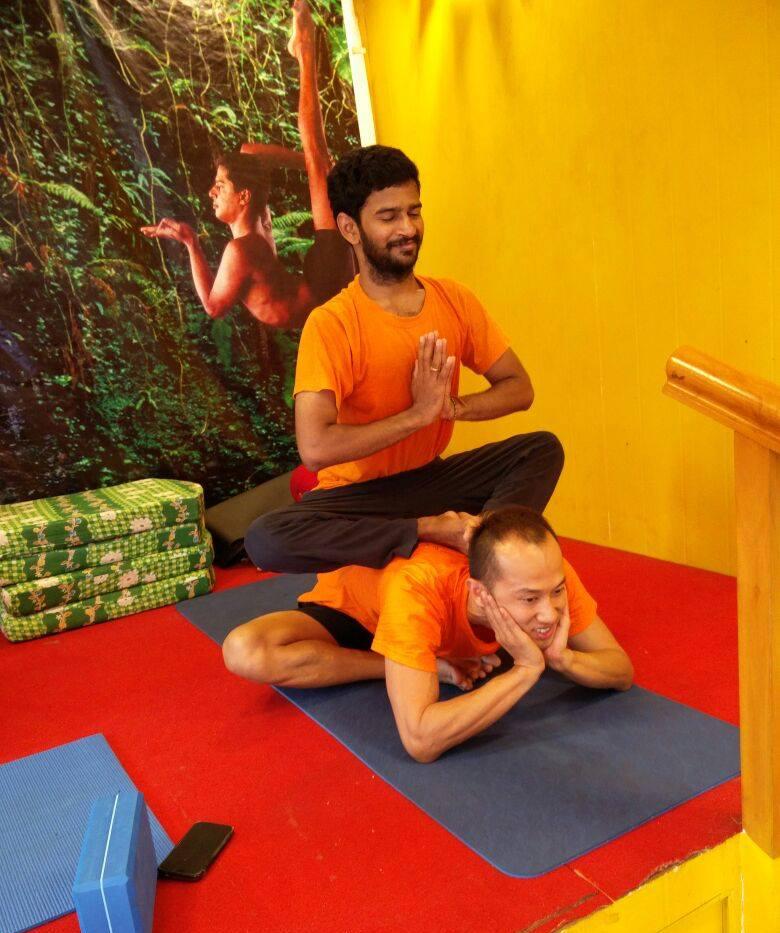 Jeff Yoga guy ontop.png
