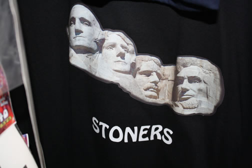 custom designed stoners t-shirt apparel