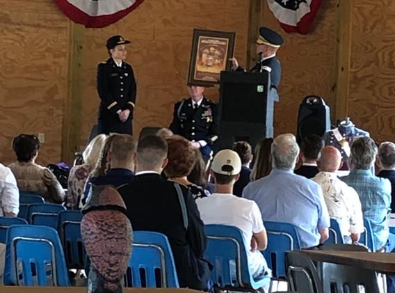 Lt Col Priatko presents Lt Vickery with
