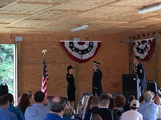 Lt Vickery sworn in by Lt Col Priatko.JP
