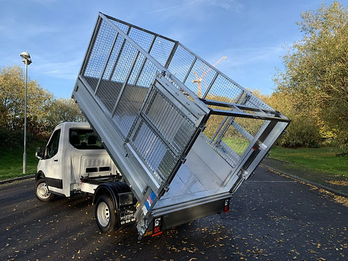 Ford-Caged-Tipper-Tail-Lift-1067x800.jpg