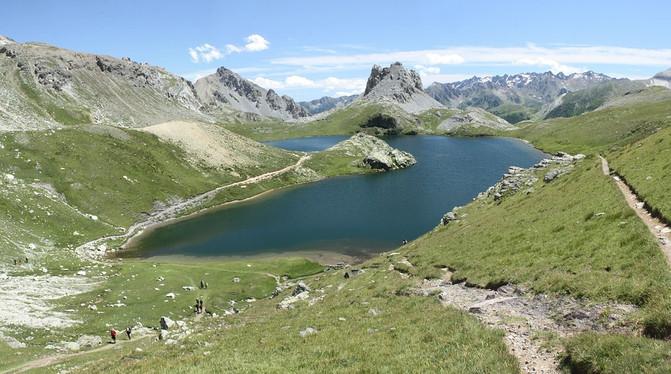 pyrenees-1726069_960_720.jpg