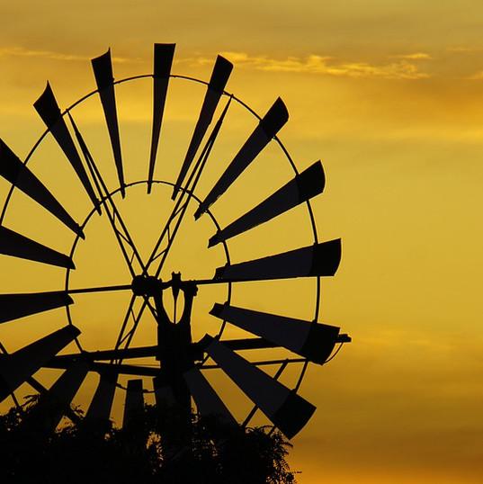 windmill-4576942_960_720.jpg