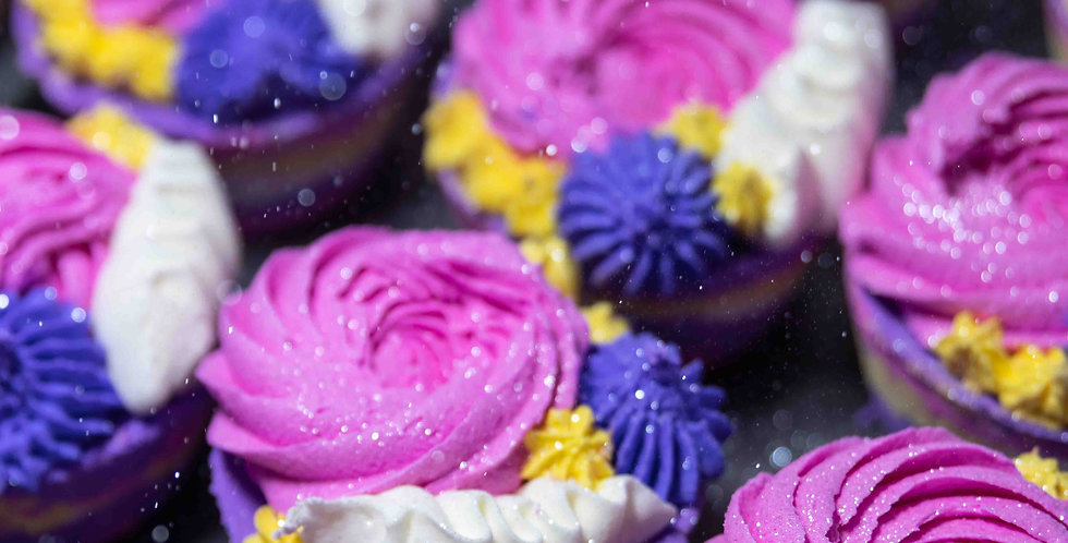 Electric Feel Bath Bomb & Bubbly Frosting