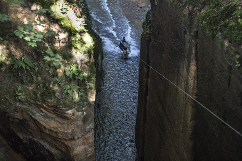 Breakend - @breakalegcz - hiden caves wakeboarding