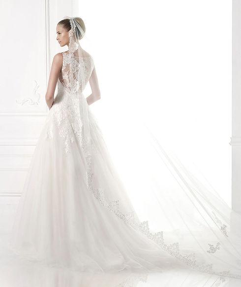 Свадебные аксессуары в свадебном салоне Topaza Pella