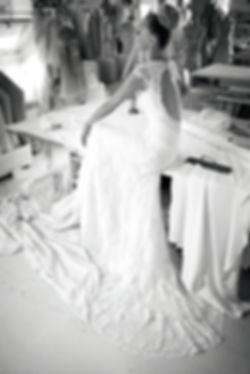 Индивидуальный заказ свадебных платьев La Sposa, White One, Avenue Diagonal, Cymbeline, Topaza Pella и мужских костюмов Wilvorst