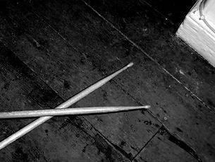 grunge-drumsticks-1180500.jpg