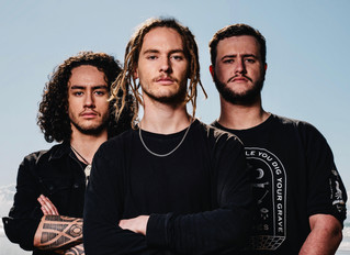 ALIEN WEAPONRY SIGN WITH RICK SALES ENTERTAINMENT