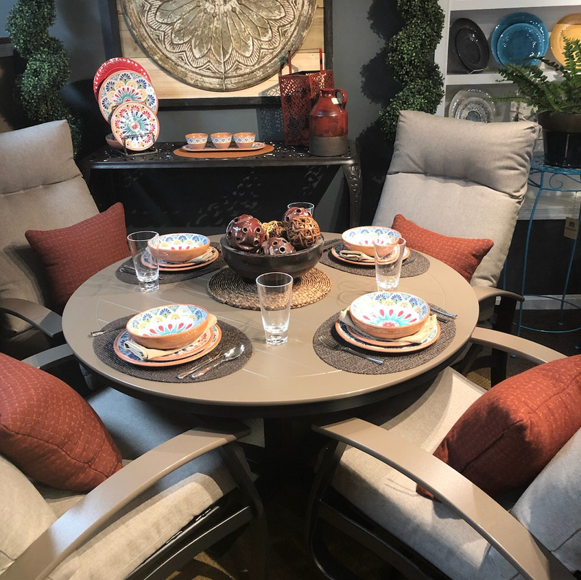 Belle Isle Cushioned Dining