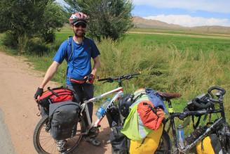 Comment Tadjikistan et Kirghizstan sont devenus deux destinations phares du voyage à vélo?