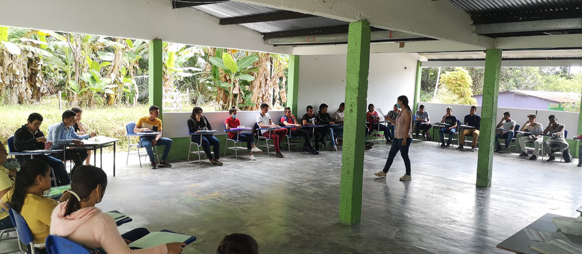 Acompañamiento en el proceso de réplica en la Institución Educativa Alto Quebradón