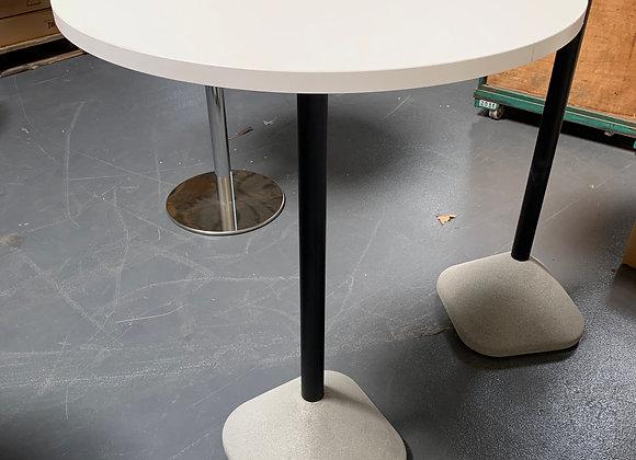 Mange debout piétement beton